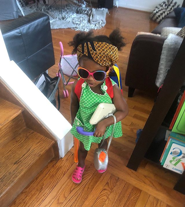 Ya'll I'm still in NOLA and got his picture mail 🤣🤣🤣 IS THIS MY CHILD OR WHAT??? I love this little girl 😍😍😍 #momlife #minime #beloudbeyou #daughters