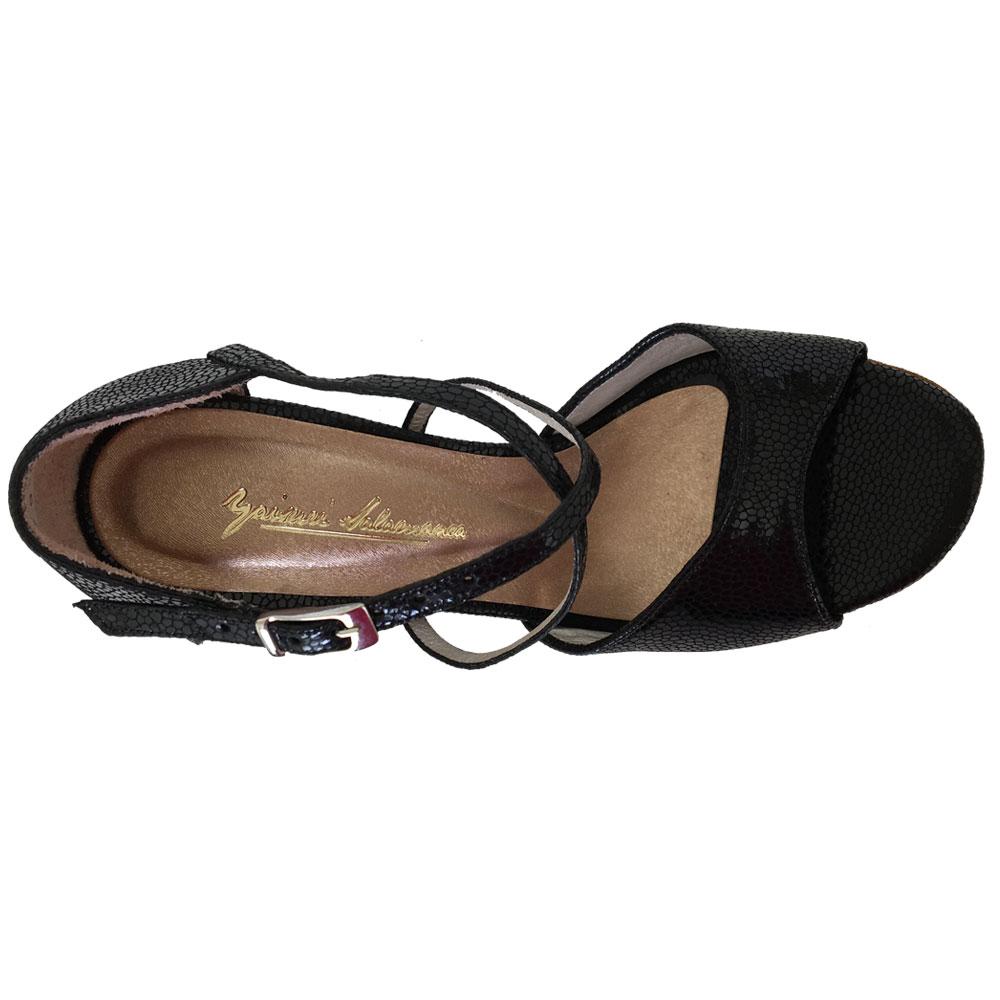 17_2-custom-tango-shoes.jpg