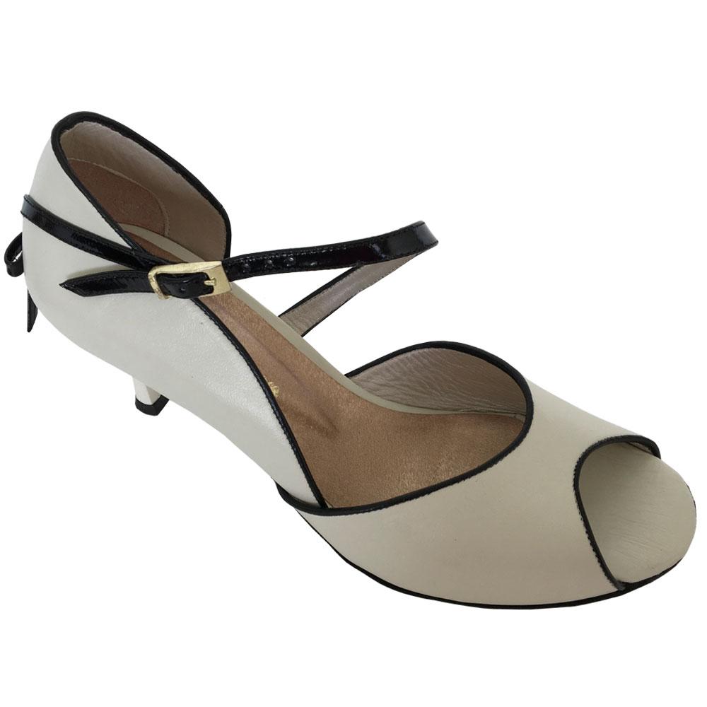 16_2-custom-tango-shoes.jpg
