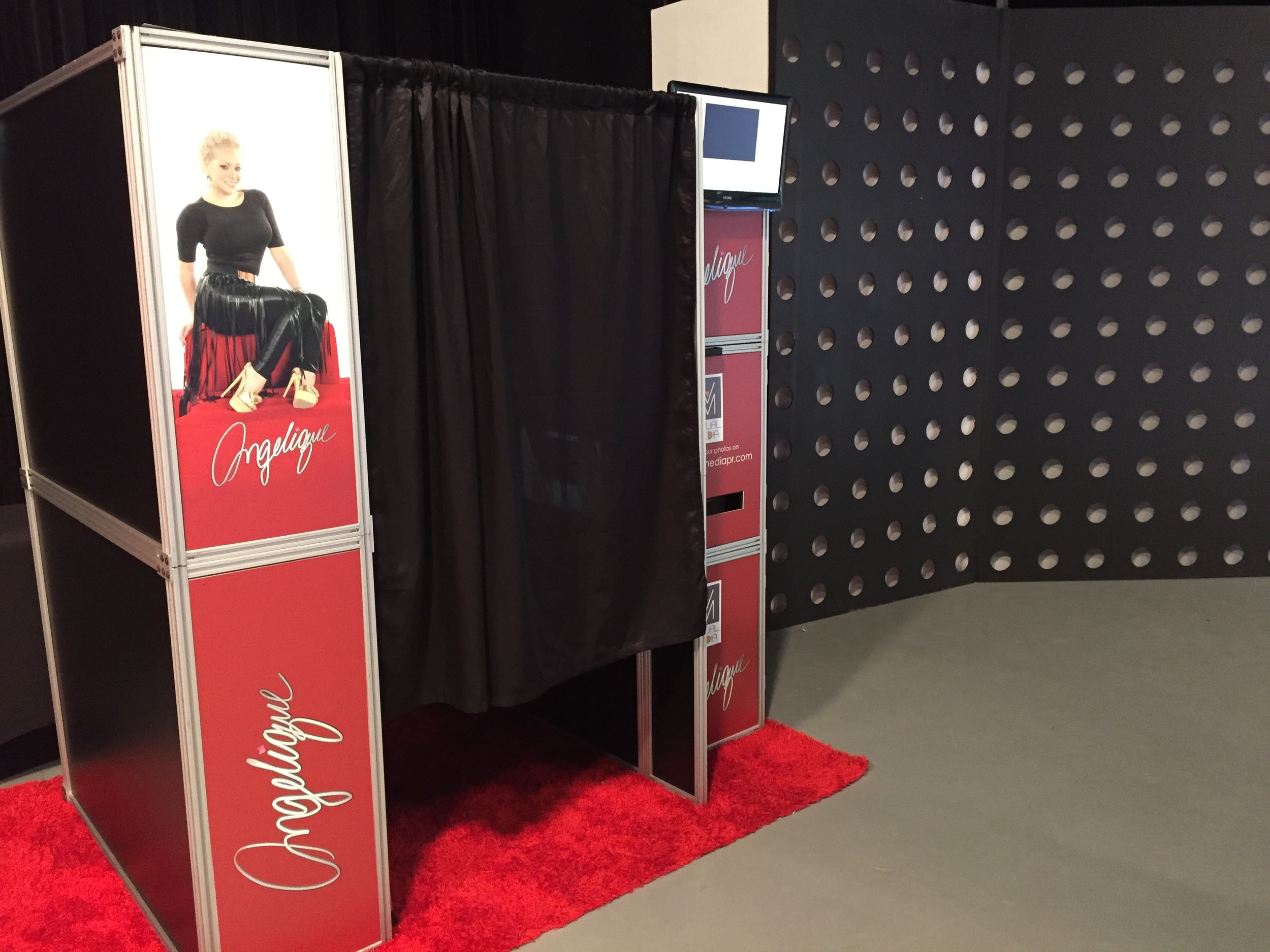 Classic Style Photo Booth with Custom Graphics