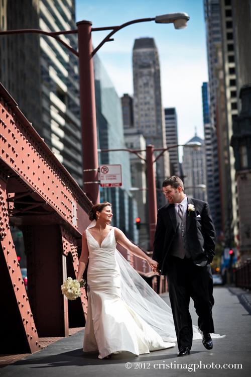 La_Salle_Bridge_Chicago_Wedding_Pictures9.jpeg