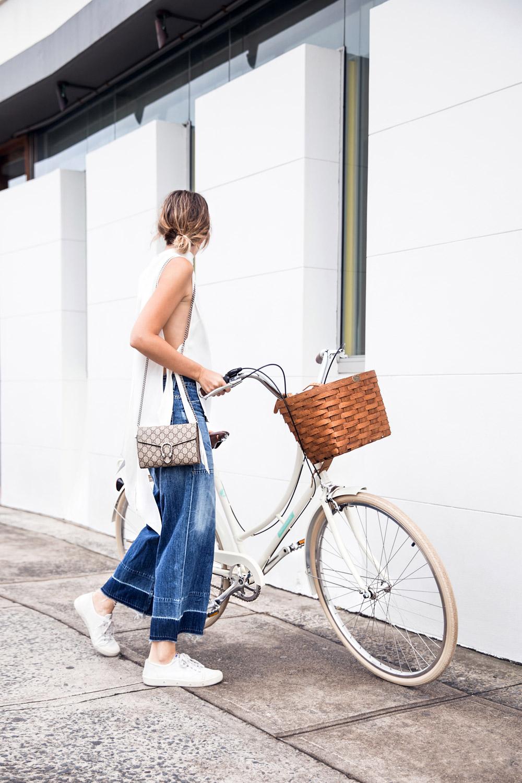 chronicles-of-her-street-style-bike.jpg