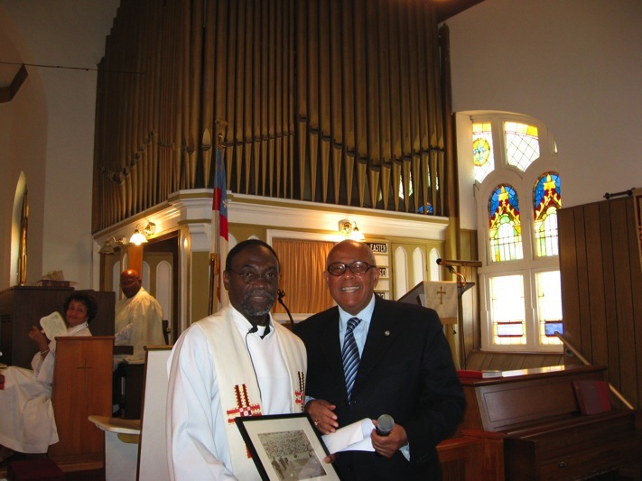 Rev. Hugh Chapman accepting   Edward Orval Gourdin W  orld Record  P  hotograph    April 20, 2008 Jacksonville, Florida