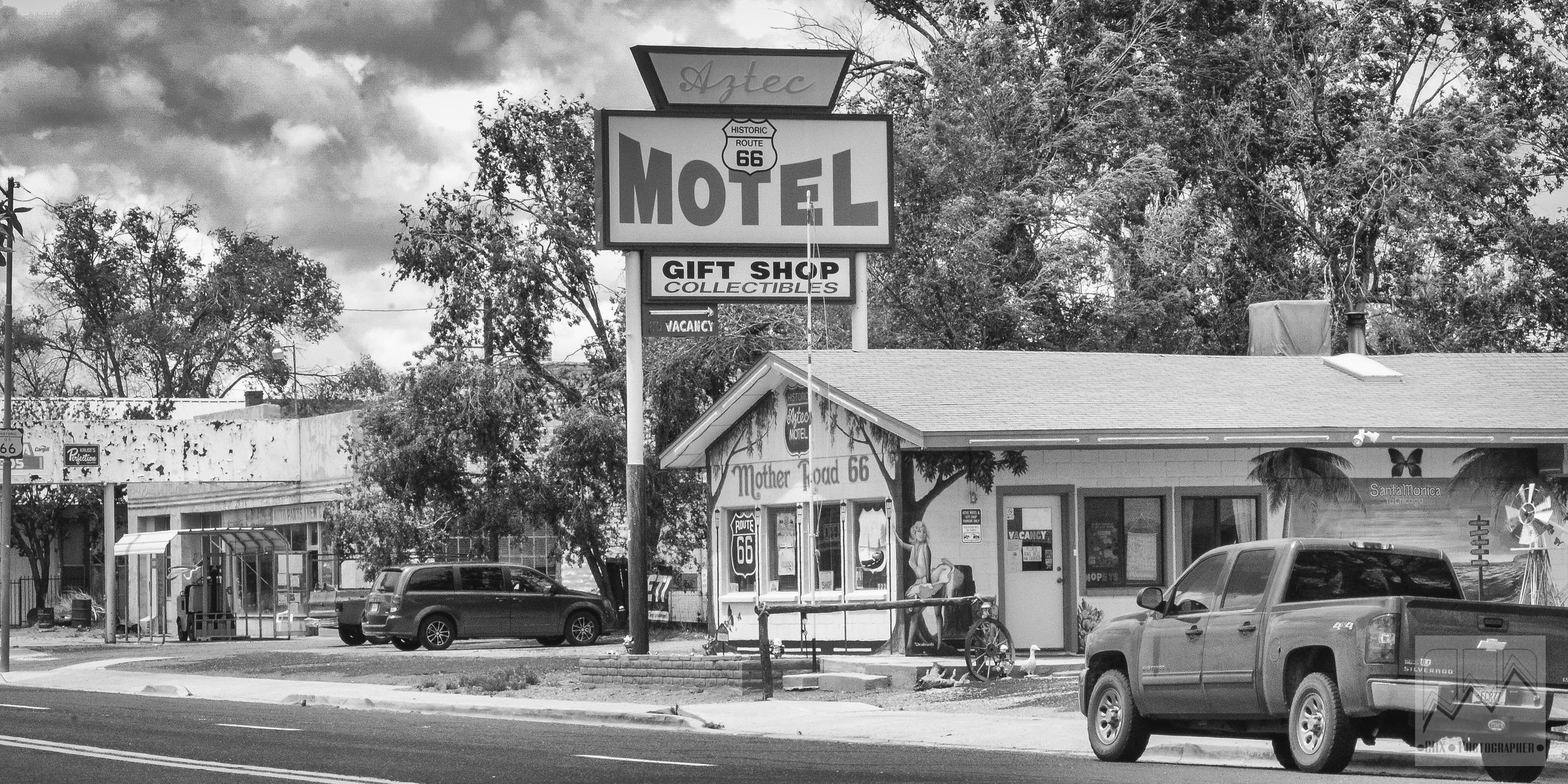 Car route66 motel.jpg