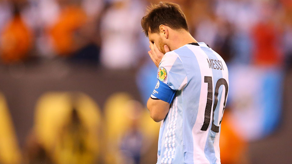 BREAKING: Lionel Messi will  not  be signing for Estudiantes de La Plata in FM17