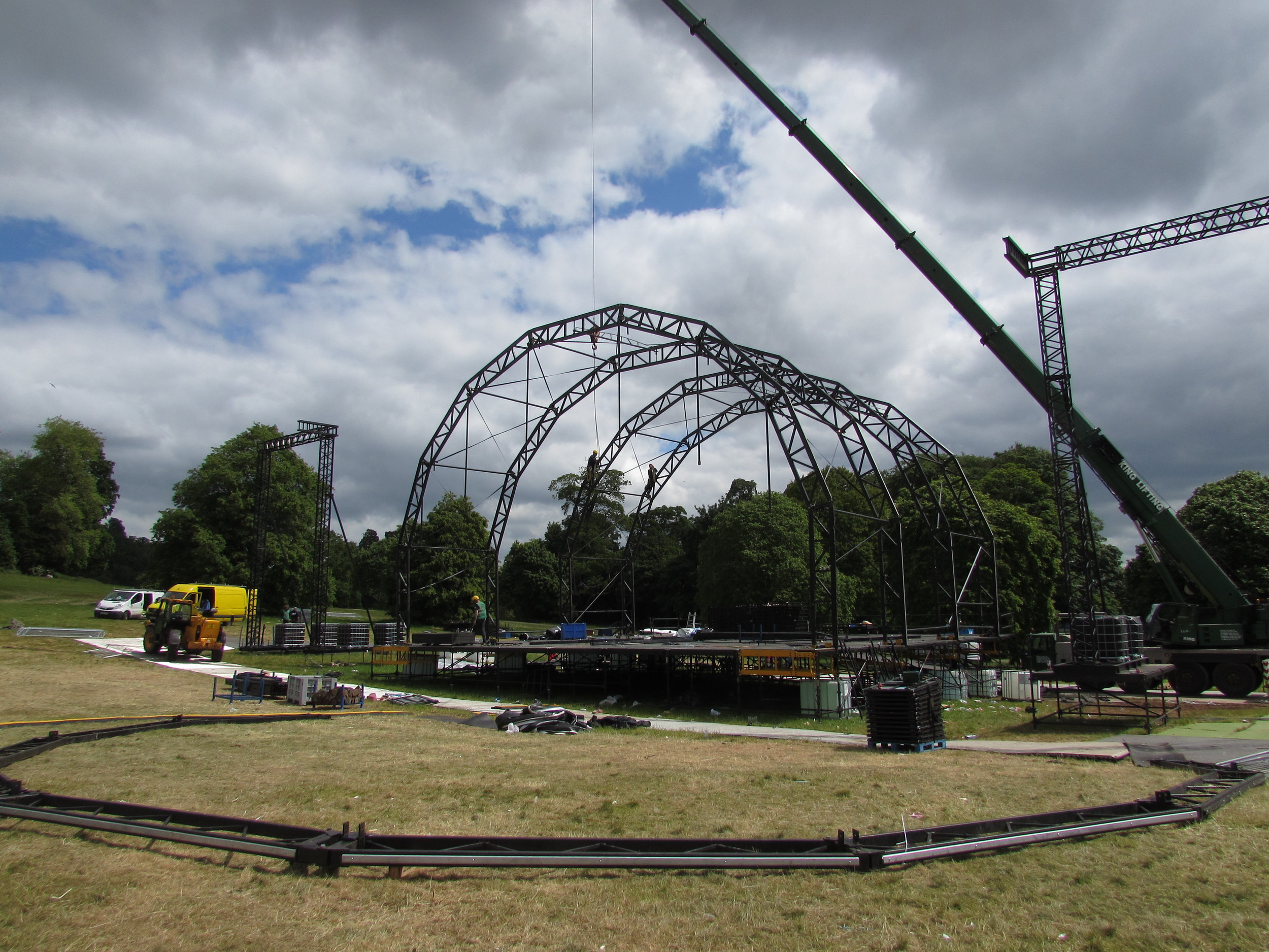 FESTIVALS - Haulage, lifting, crew, tech and staging