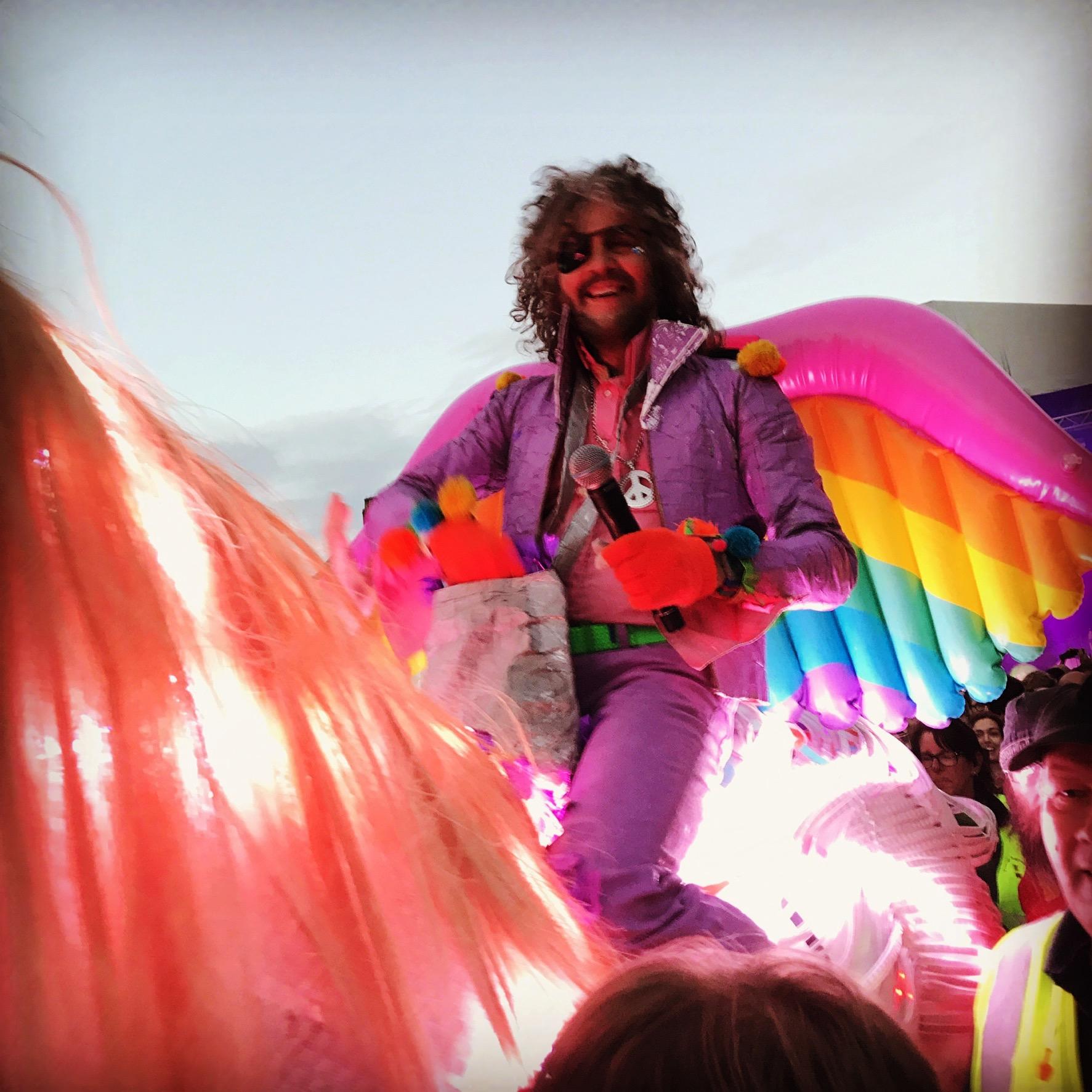 Wayne Coyne. On a unicorn. In Hull. BELIEVE IT! (pic by Tim Drage)
