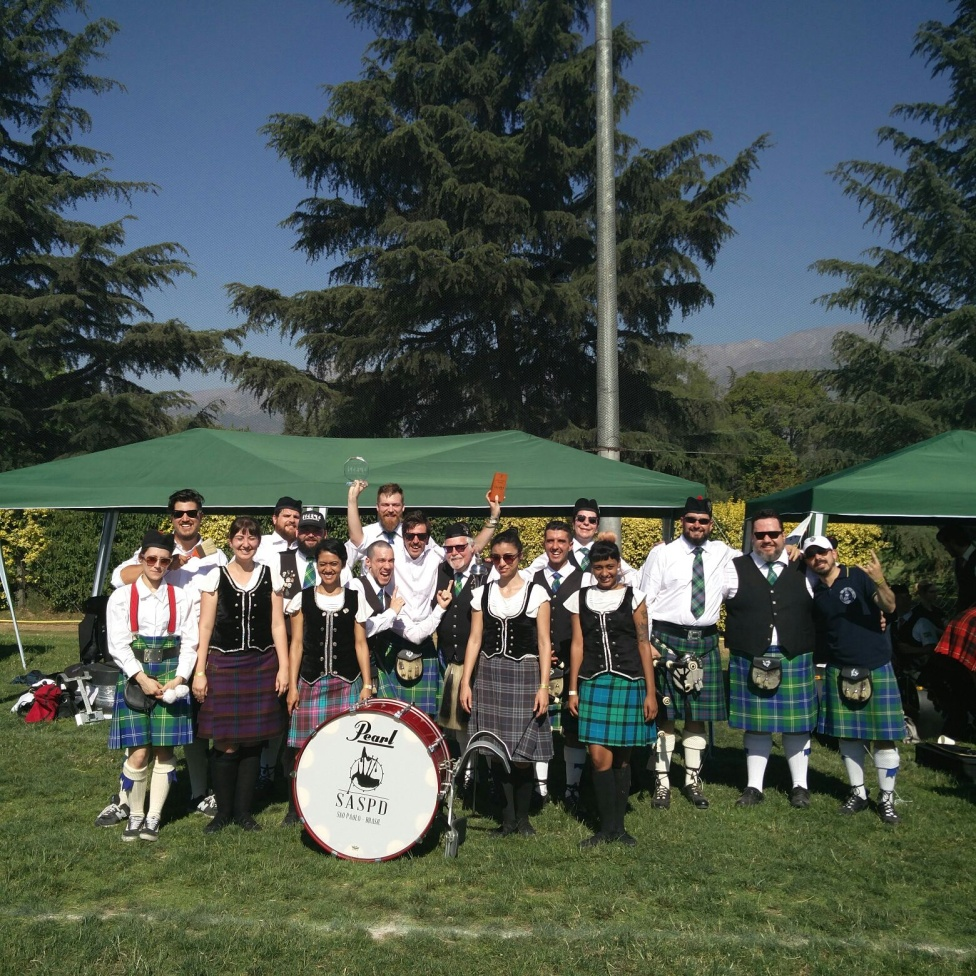 ST. ANDREWS SOCIETY PIPES & DRUMS