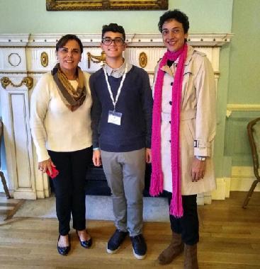 Anamaria Pelegrini (president ESU São Paulo), João Pedro Neves (Brazilian candidate) and Regina Célia (his teacher), in Dartmouth House, London, during the ESU finals.