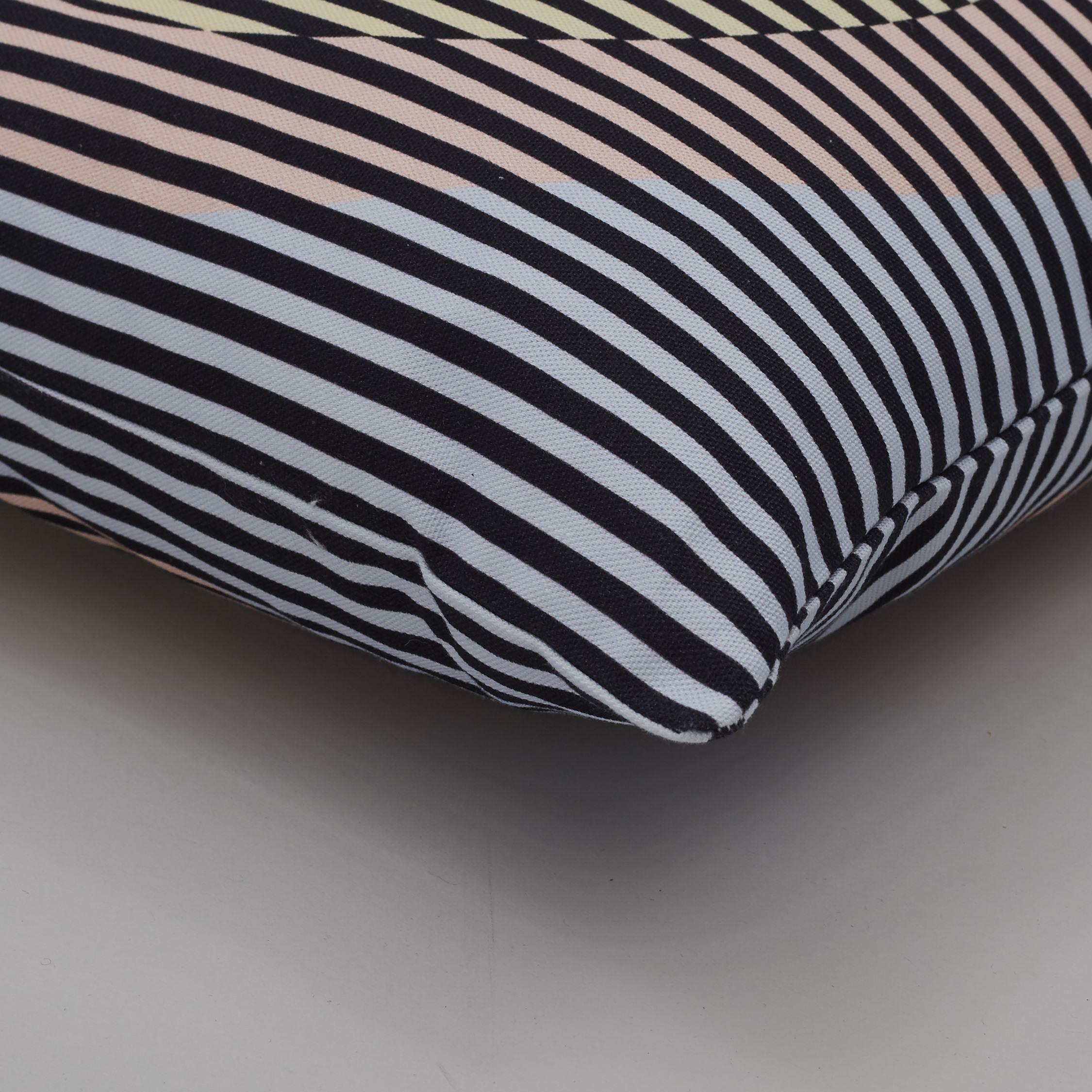 Kangan Arora for Urban Outfitters 02 Detail.jpg