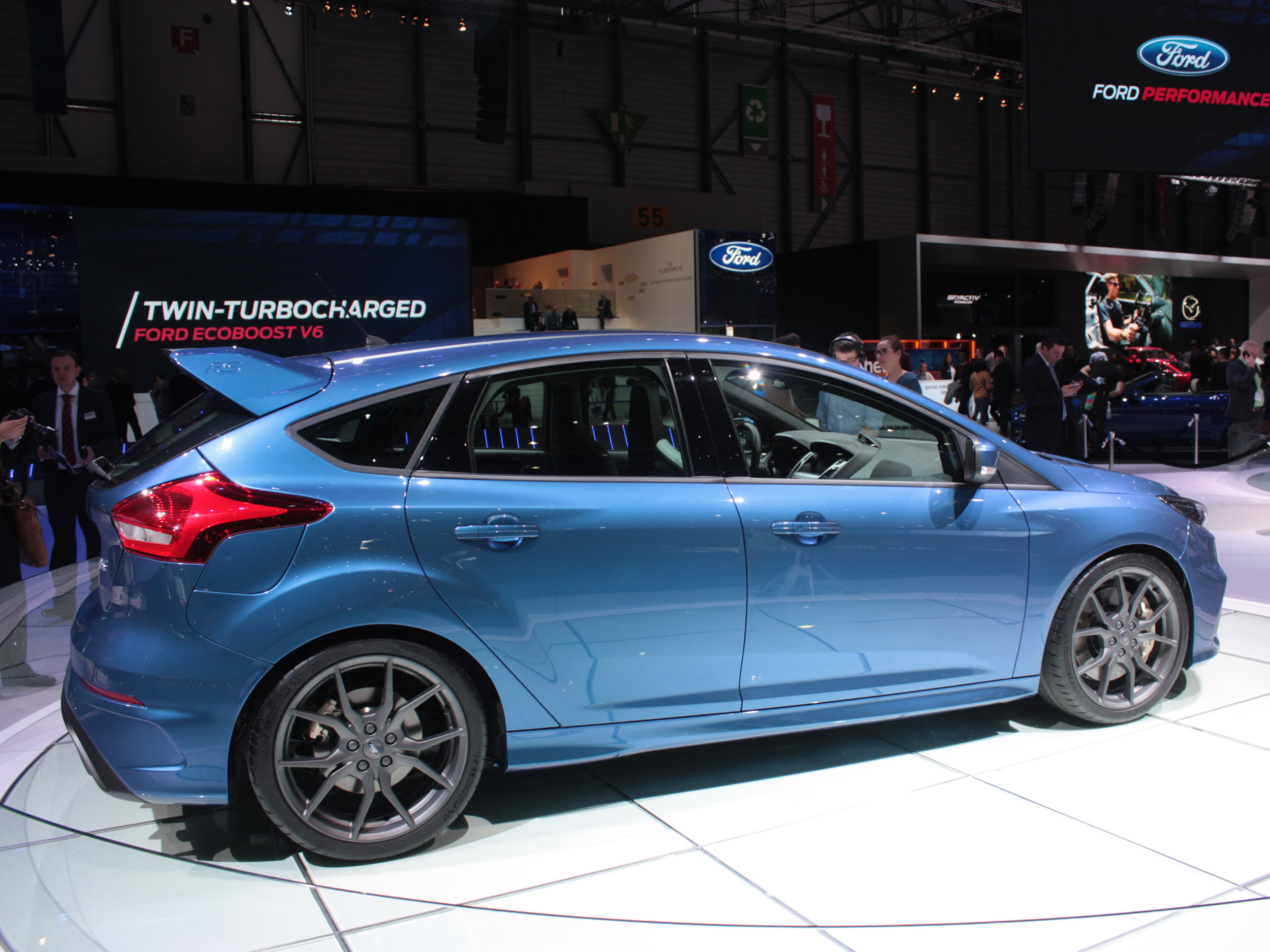 Geneva-Ford-Focus-side.jpg