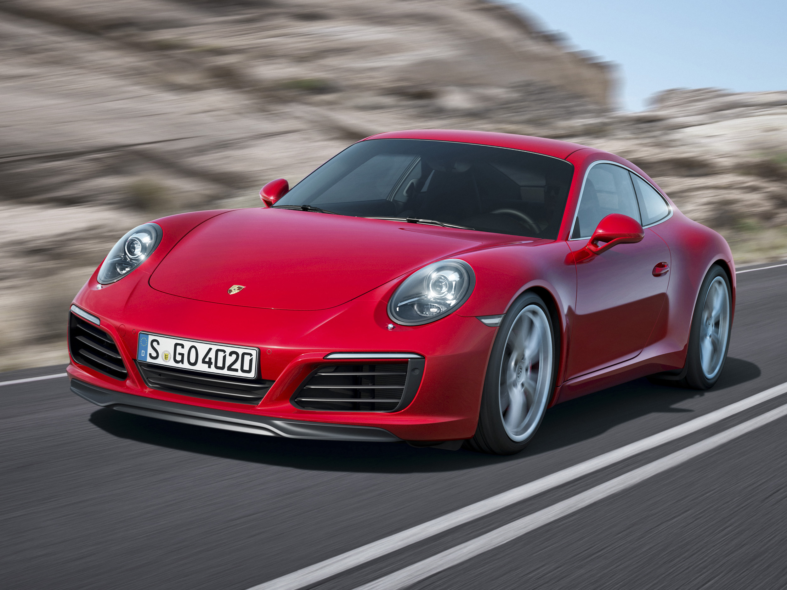 Porsche unveils facelifted 911