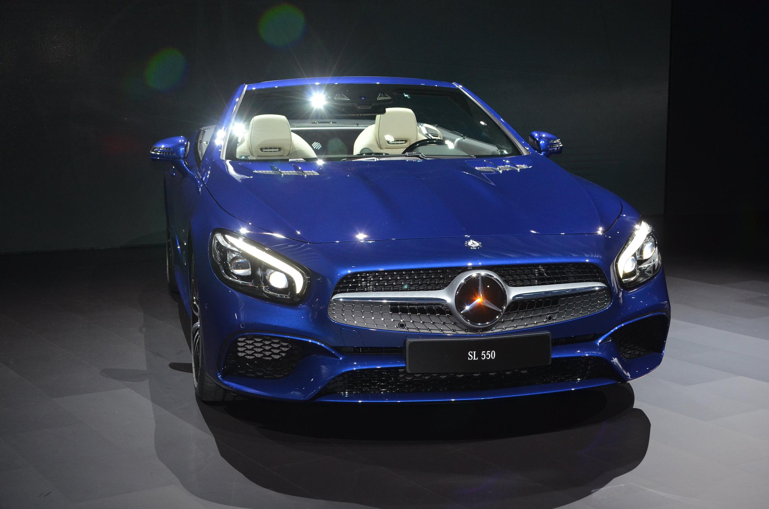 Facelifted Mercedes SL revealed in LA