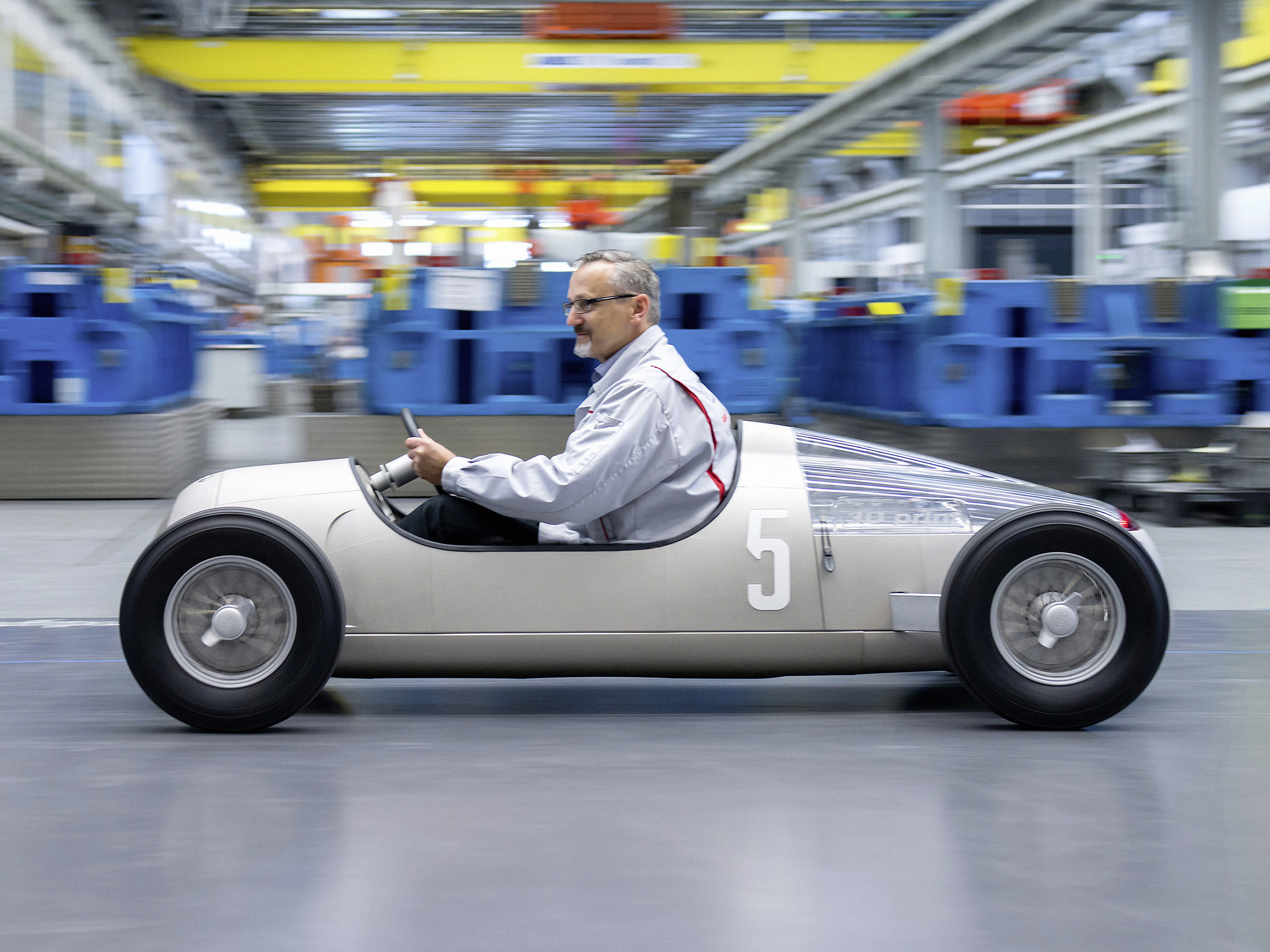 Audi 'prints' replica historical car