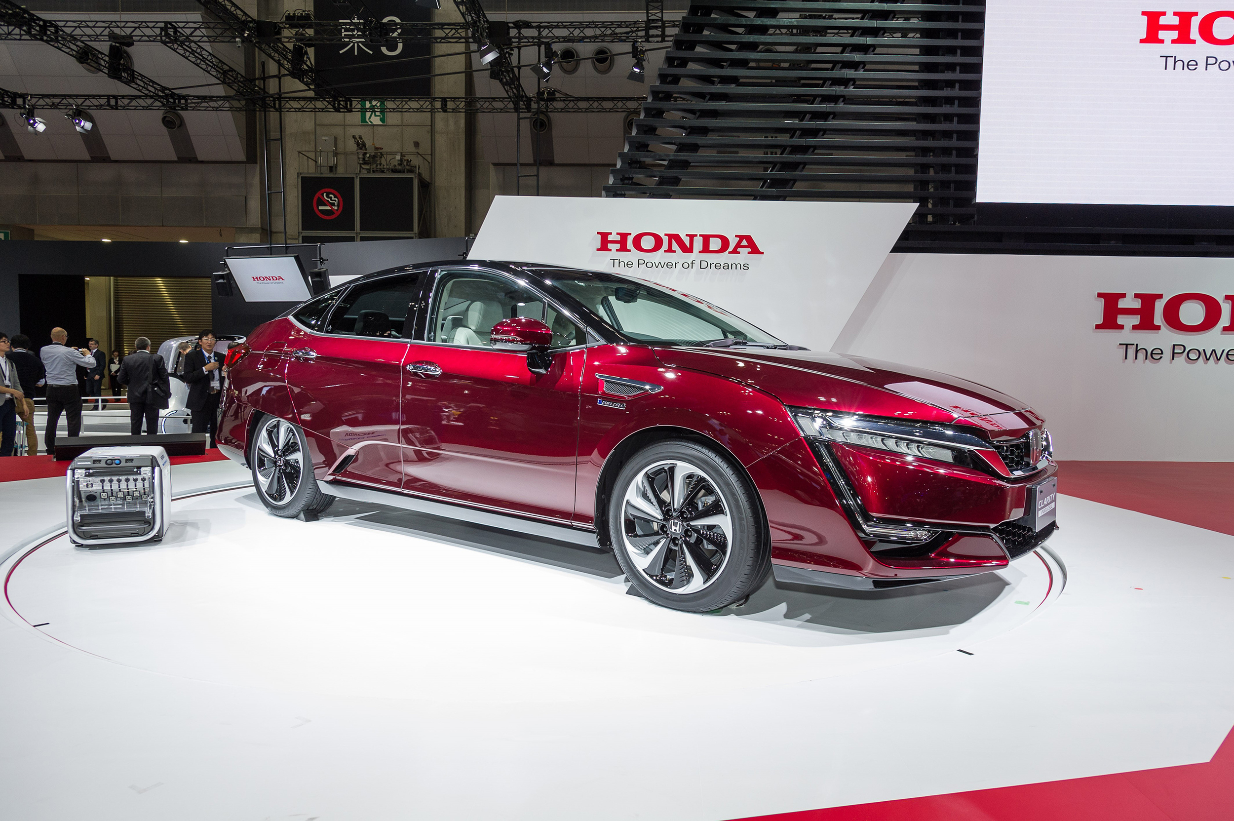 Honda reveals new Clarity FCV