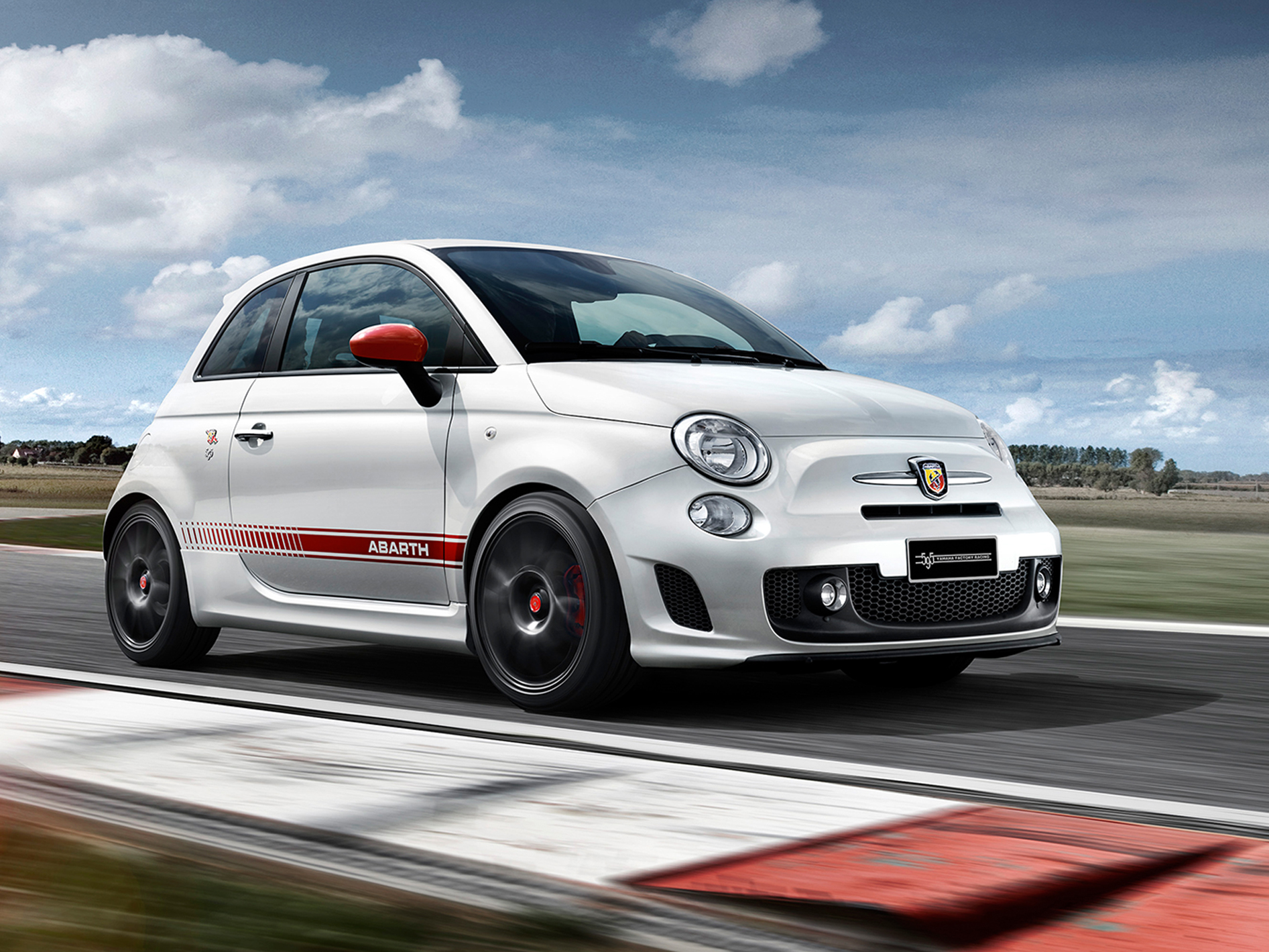 Abarth 595 Yamaha Factory Racing Edition