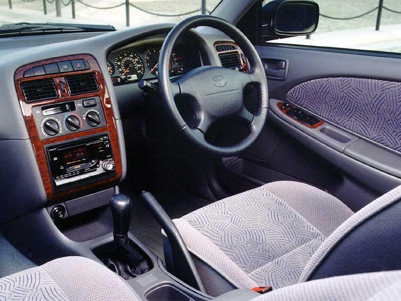 Toyota-Avensis-4.jpg