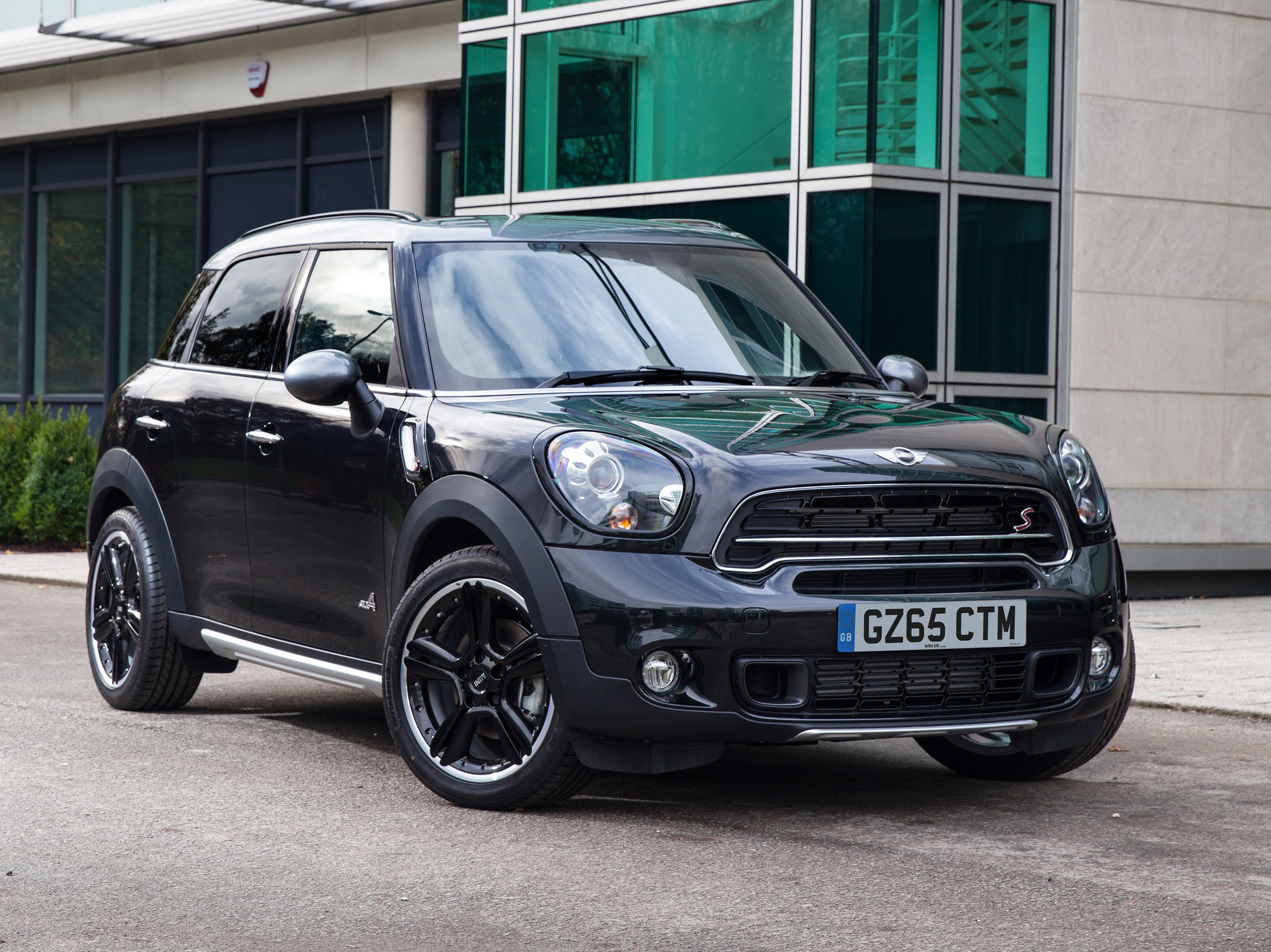MINI launches limited edition Countryman