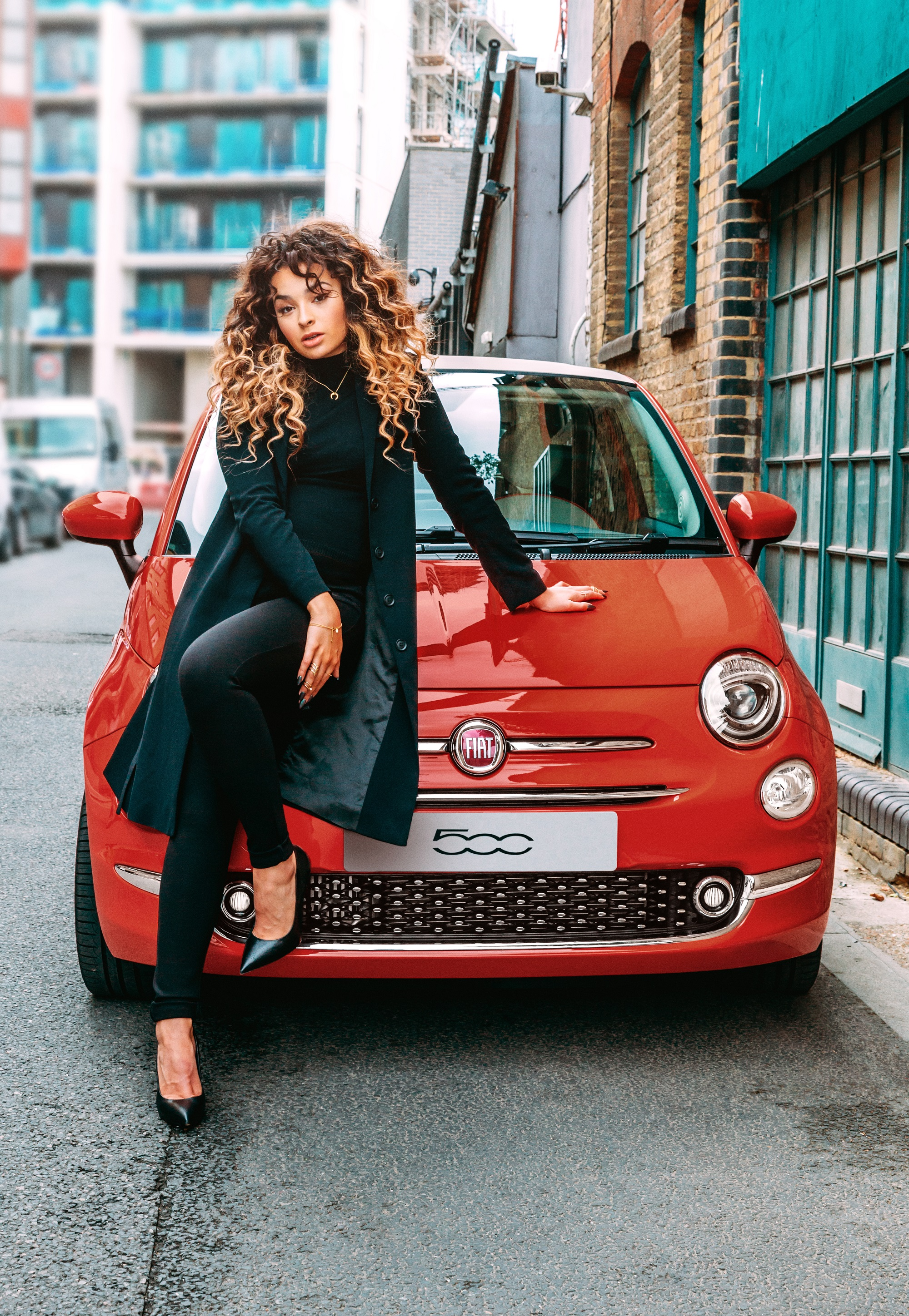 Fiat 500 to perform with Ella Eyre on stage