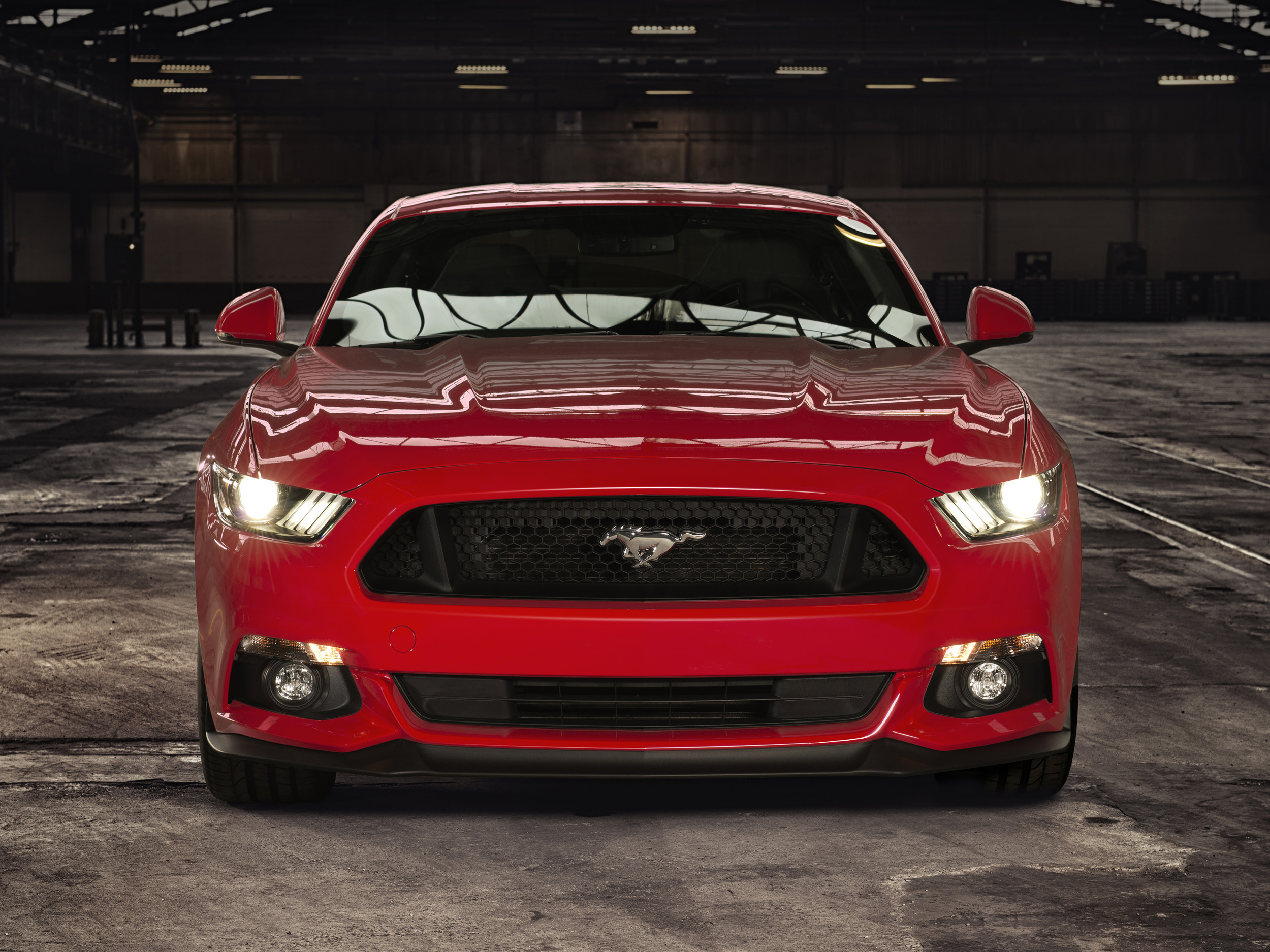 Ford Mustang adopts world-first knee airbag