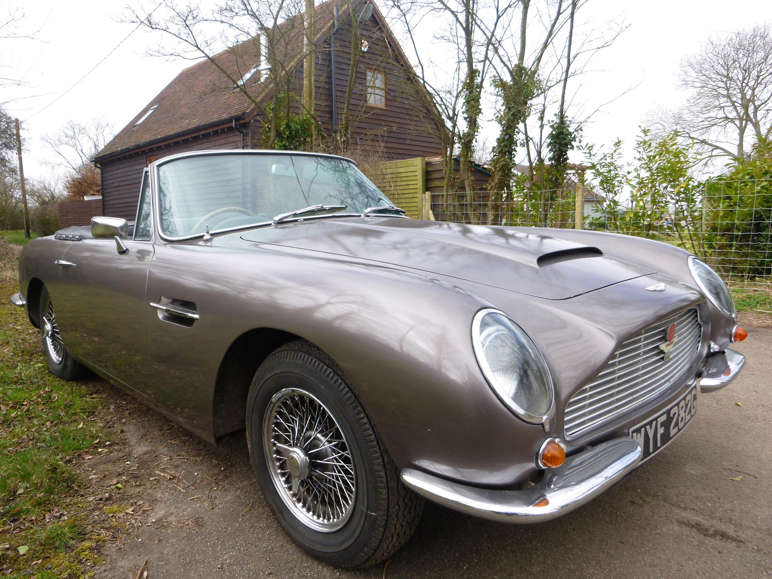 Rare Aston DB6 Volante up for auction
