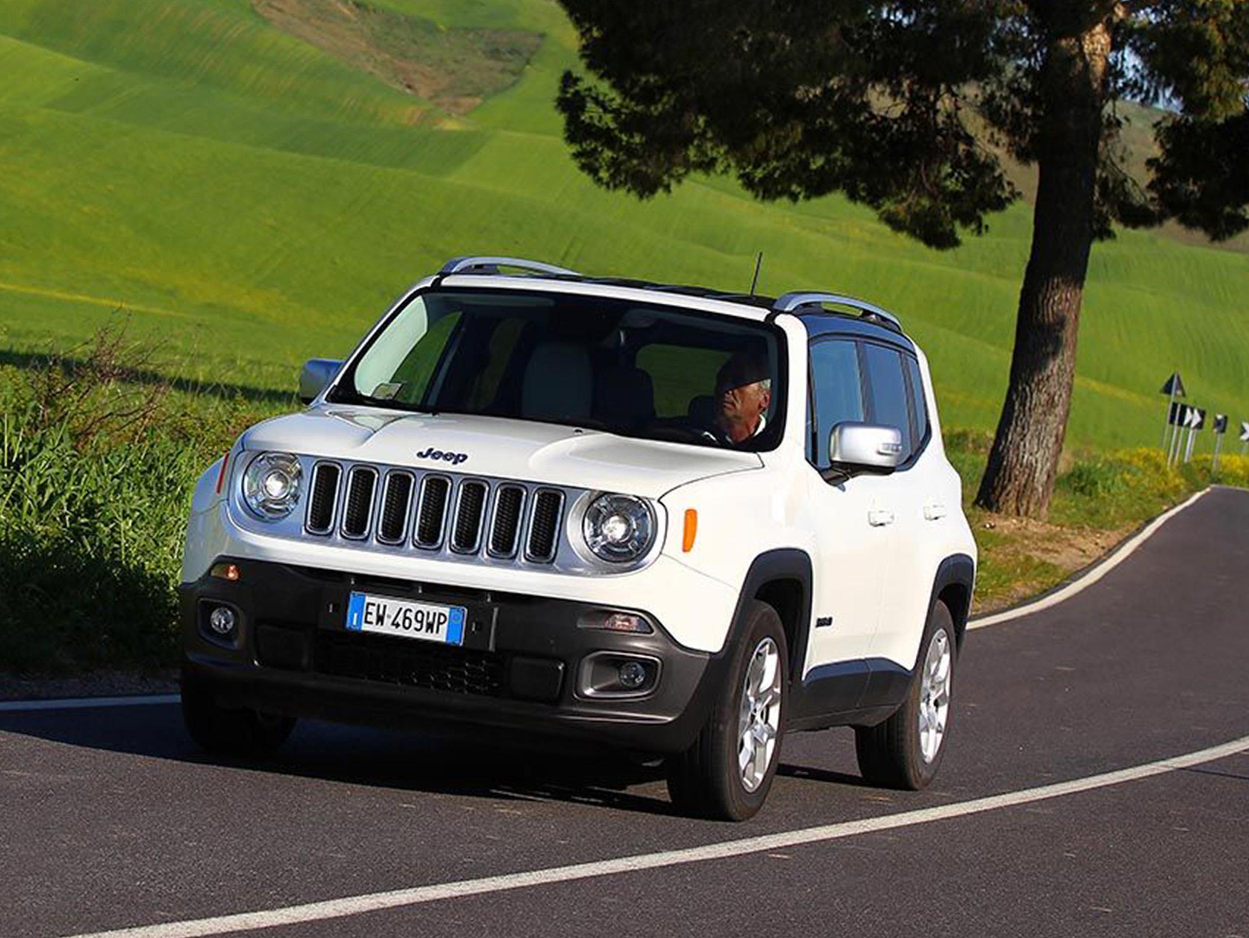 Fiat-Chrysler recalls 1.4 million cars over hacking scare