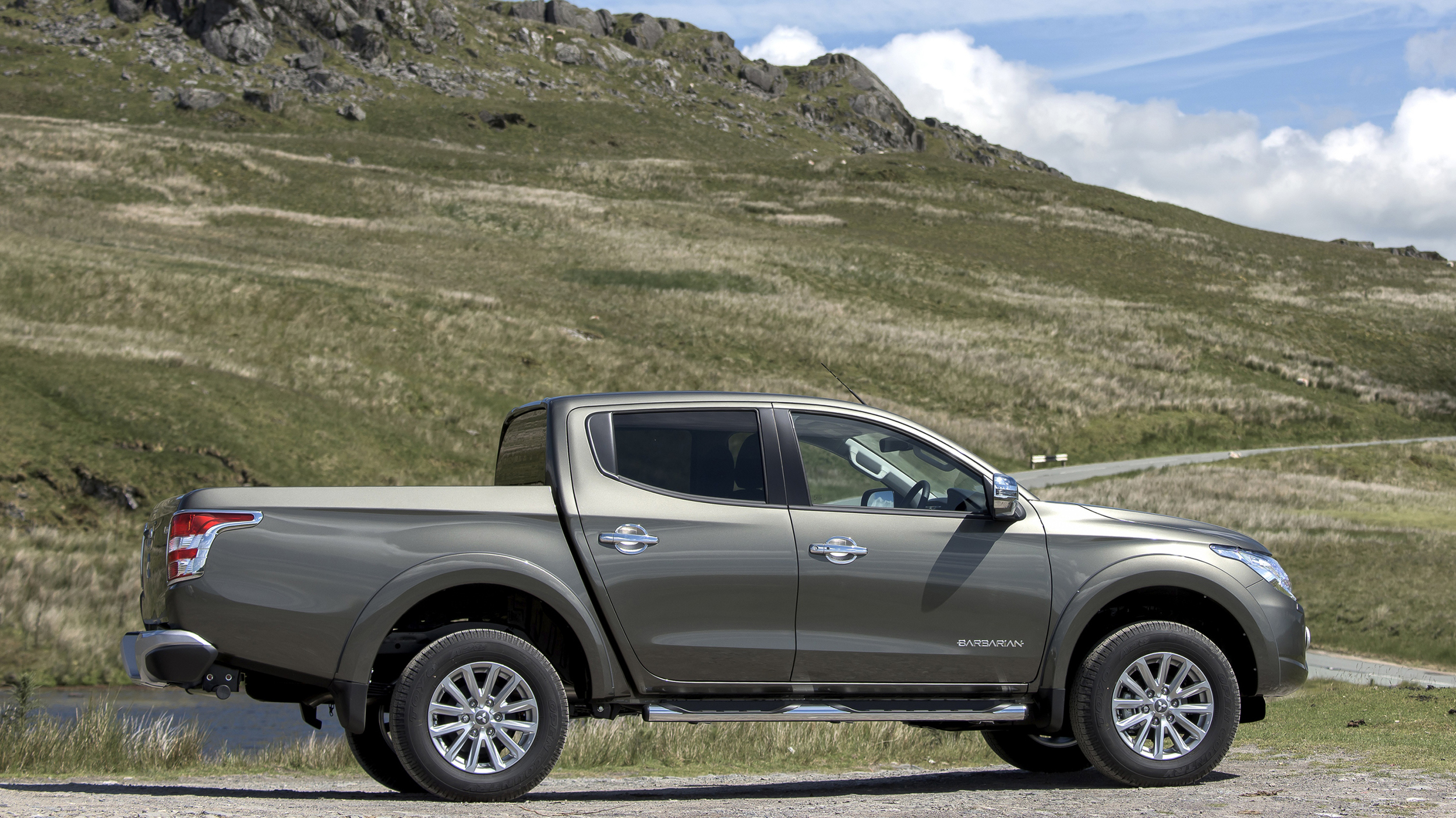 New Mitsubishi L200 Series 5 pick-up