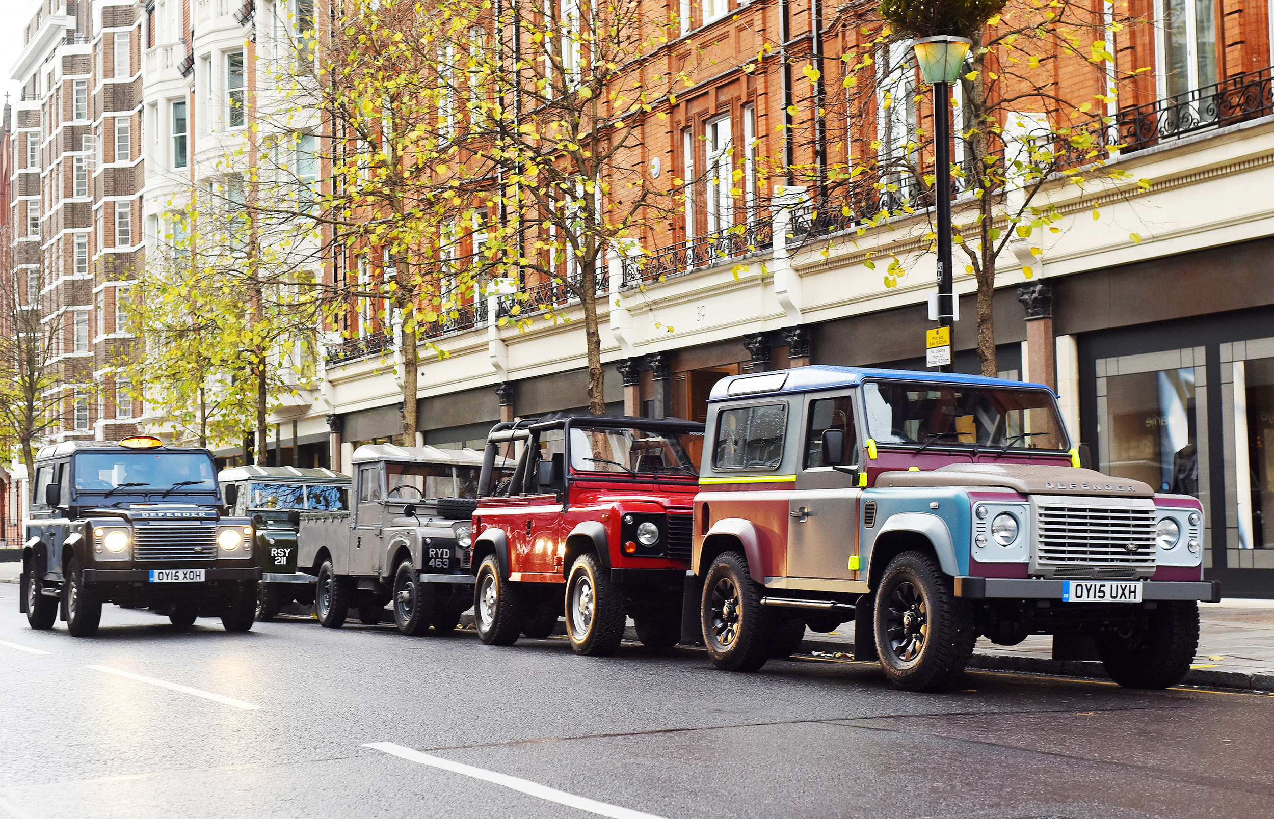 Land Rover 'taxi' tackles streets of London