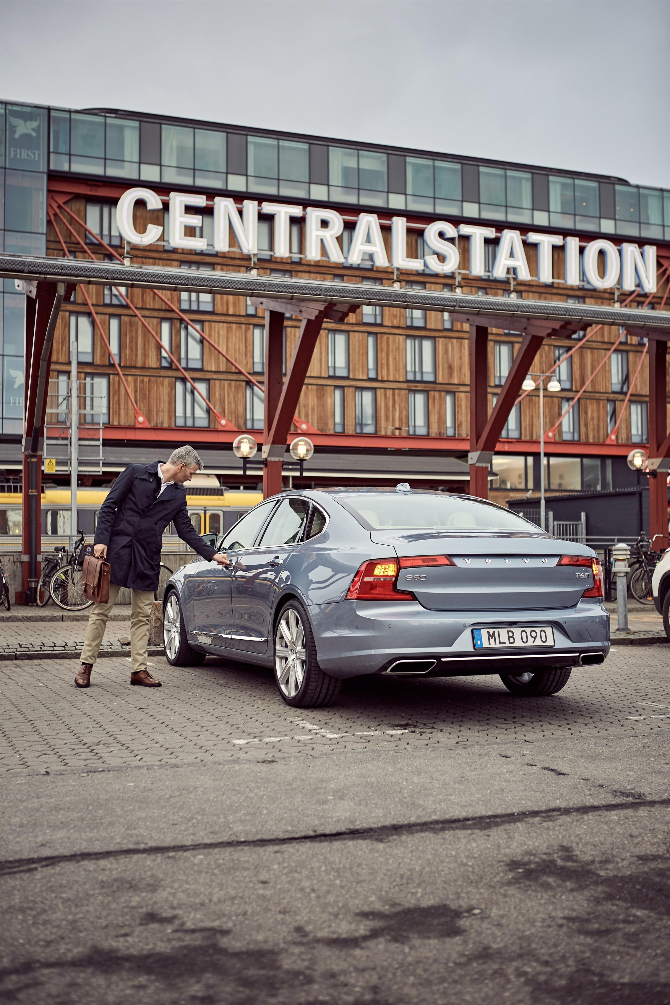 175635_Volvo_Cars_digital_key.jpg
