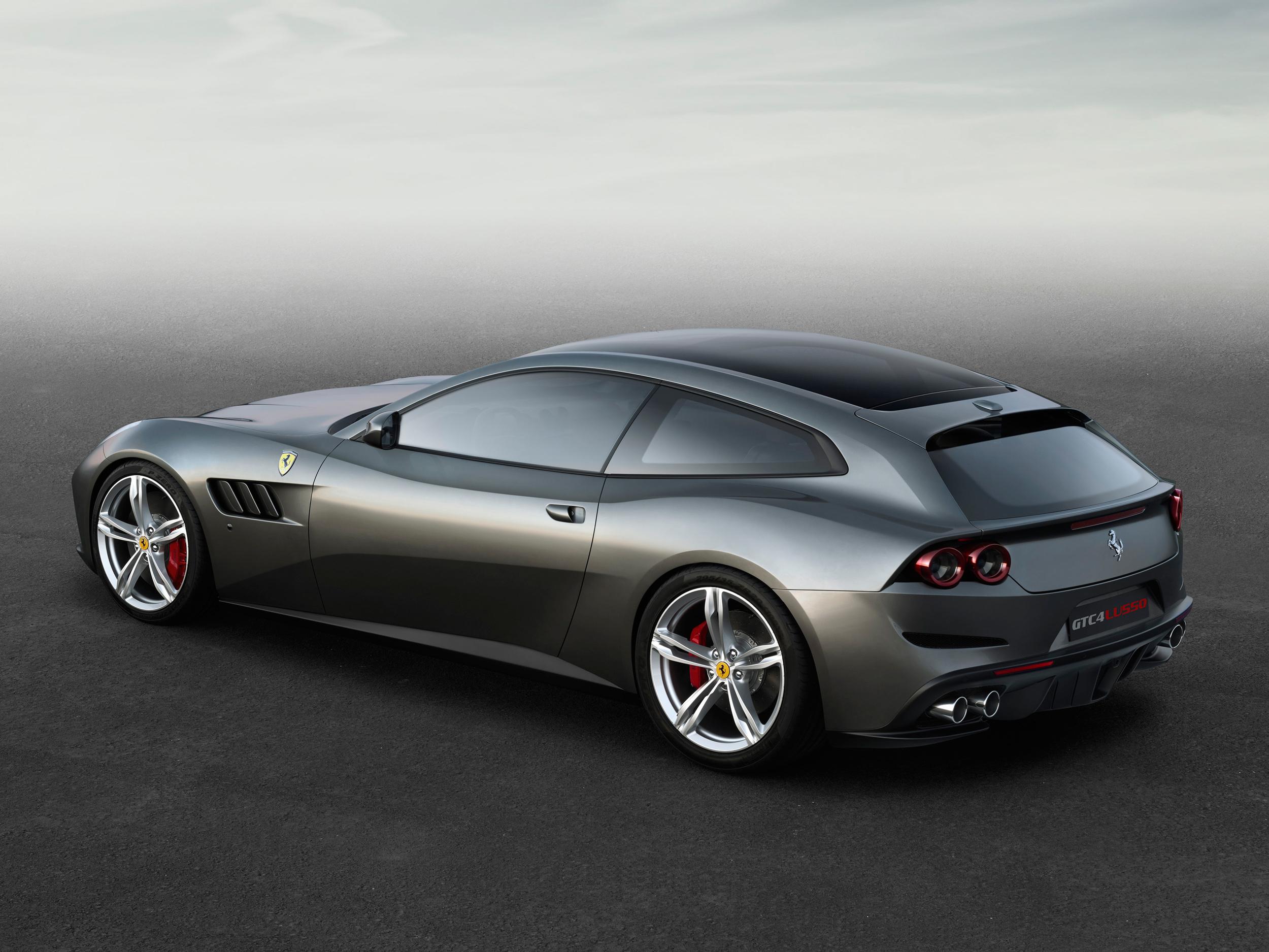 Ferrari_GTC4Lusso_side_r_high_LR.jpg