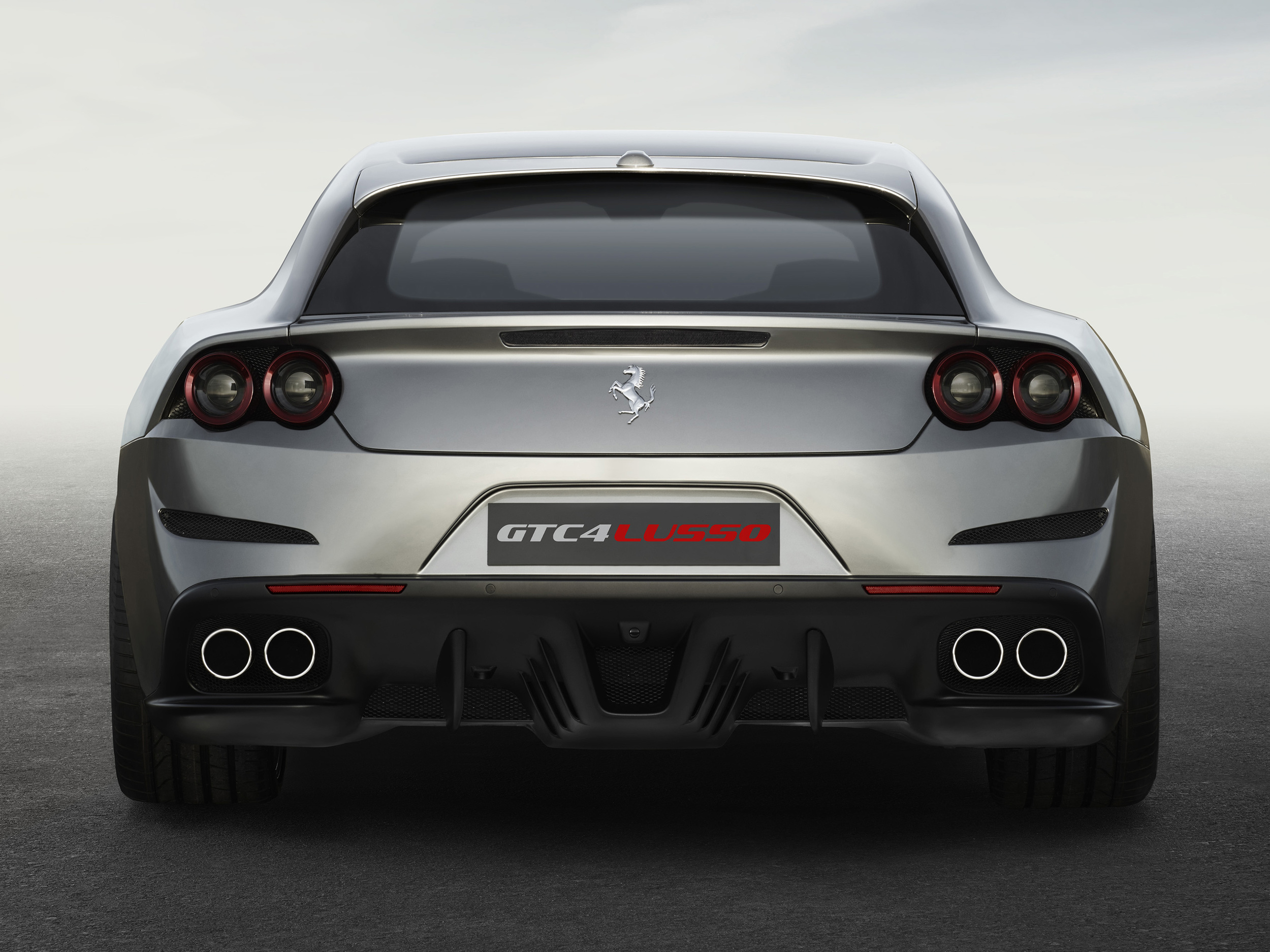 Ferrari_GTC4Lusso_rear_LR.jpg
