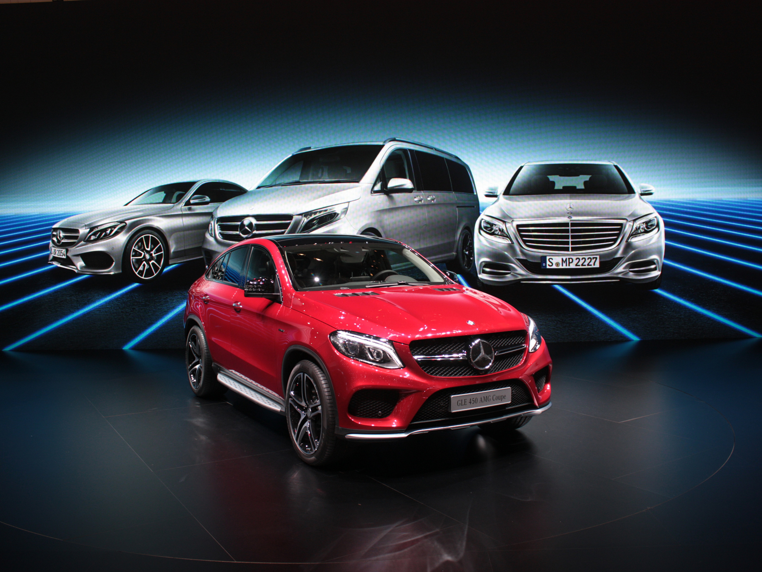 Geneva-Mercedes-GLE-450-face1.jpg