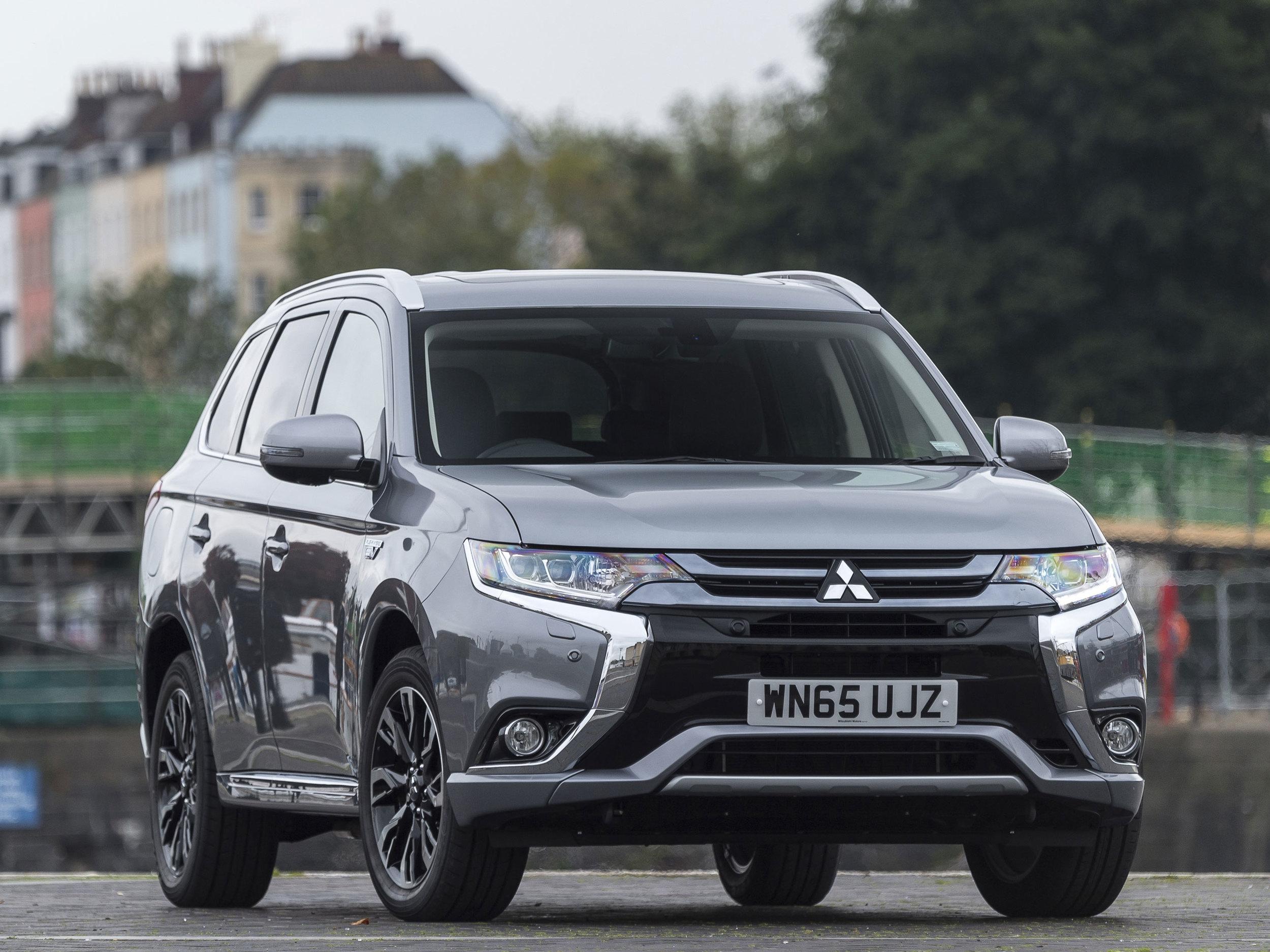 _Mitsubishi-Motors-Scores-A-Hatrick-At-What-Van.jpg