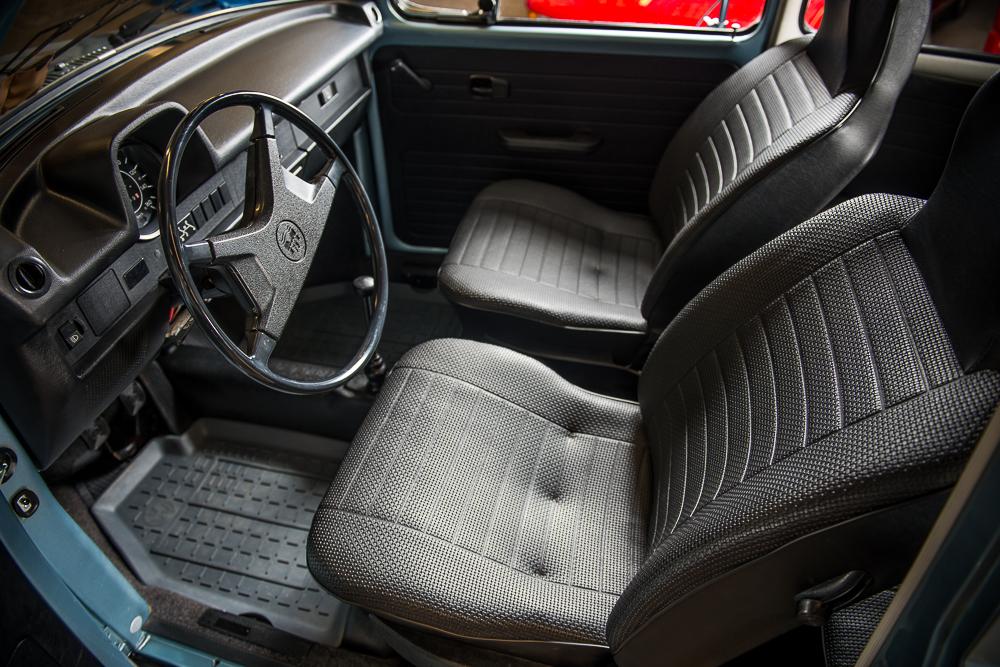 1974 Volkswagen Beetle interior HR.jpg