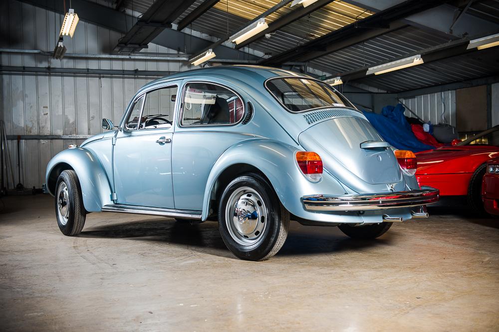 1974 Volkswagen Beetle rear angle HR.jpg