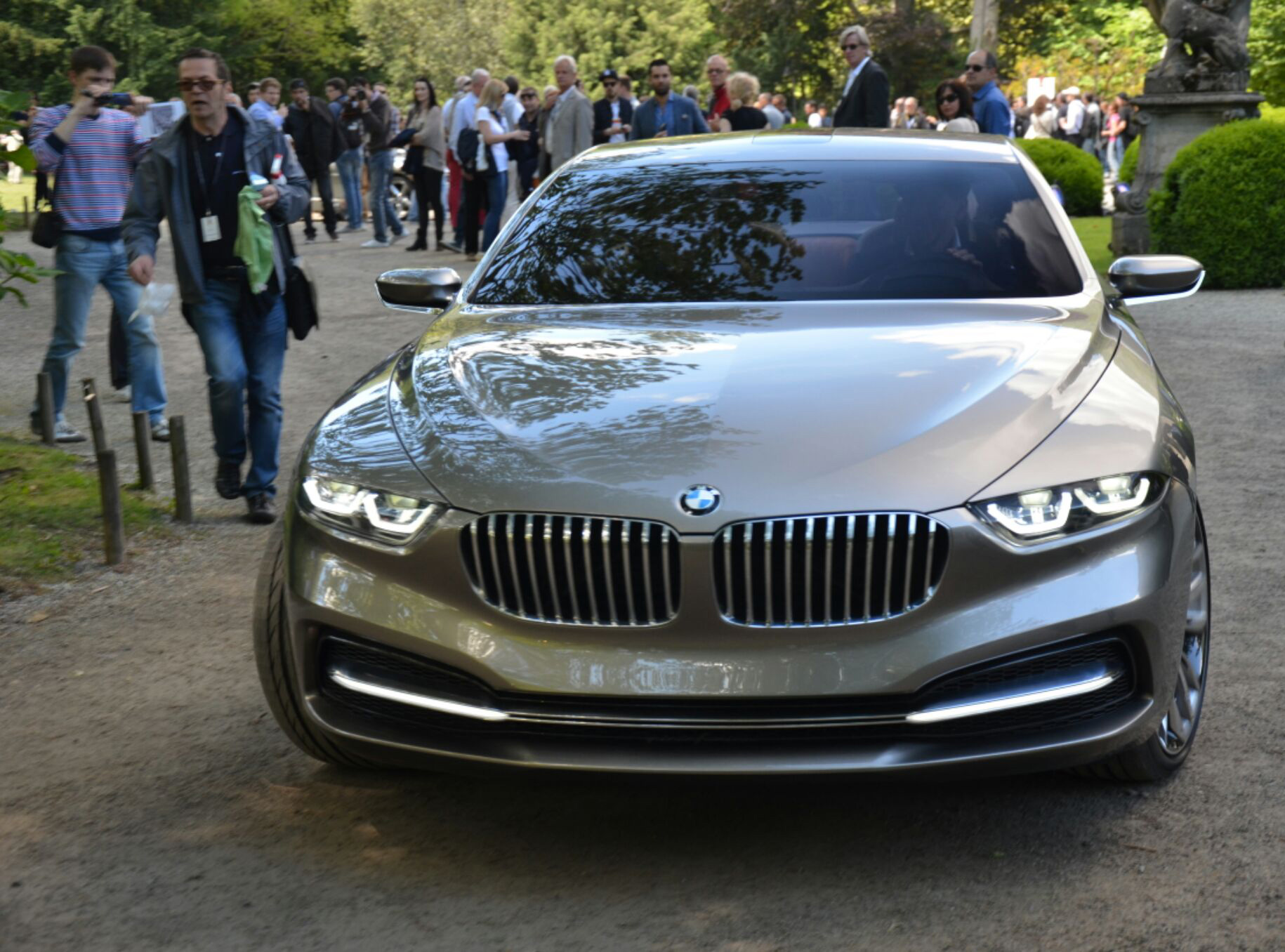 BMW-Pininfarina-Gran-Lusso-Concept-1.jpg