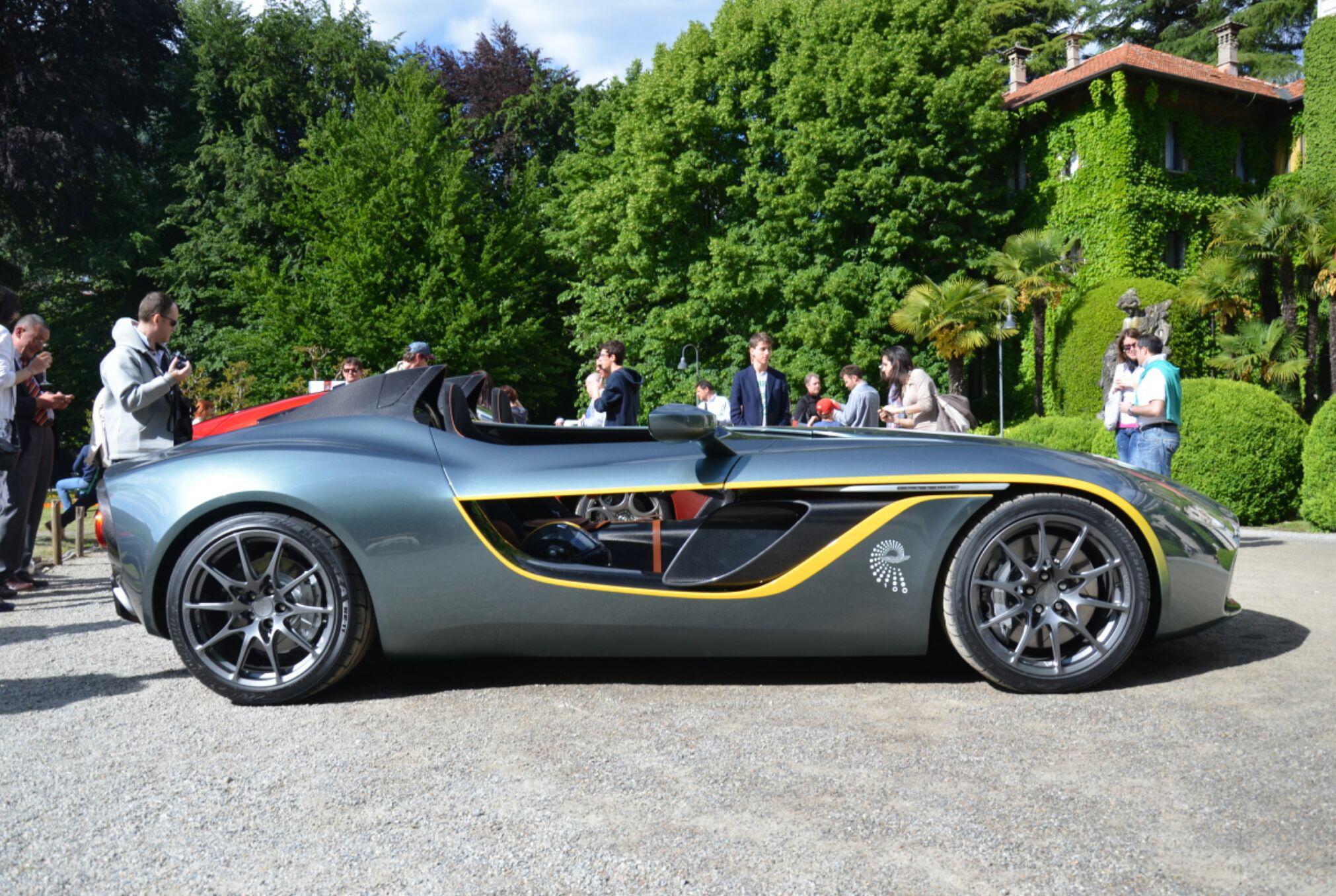 Aston-Martin-CC100-concept-1.jpg