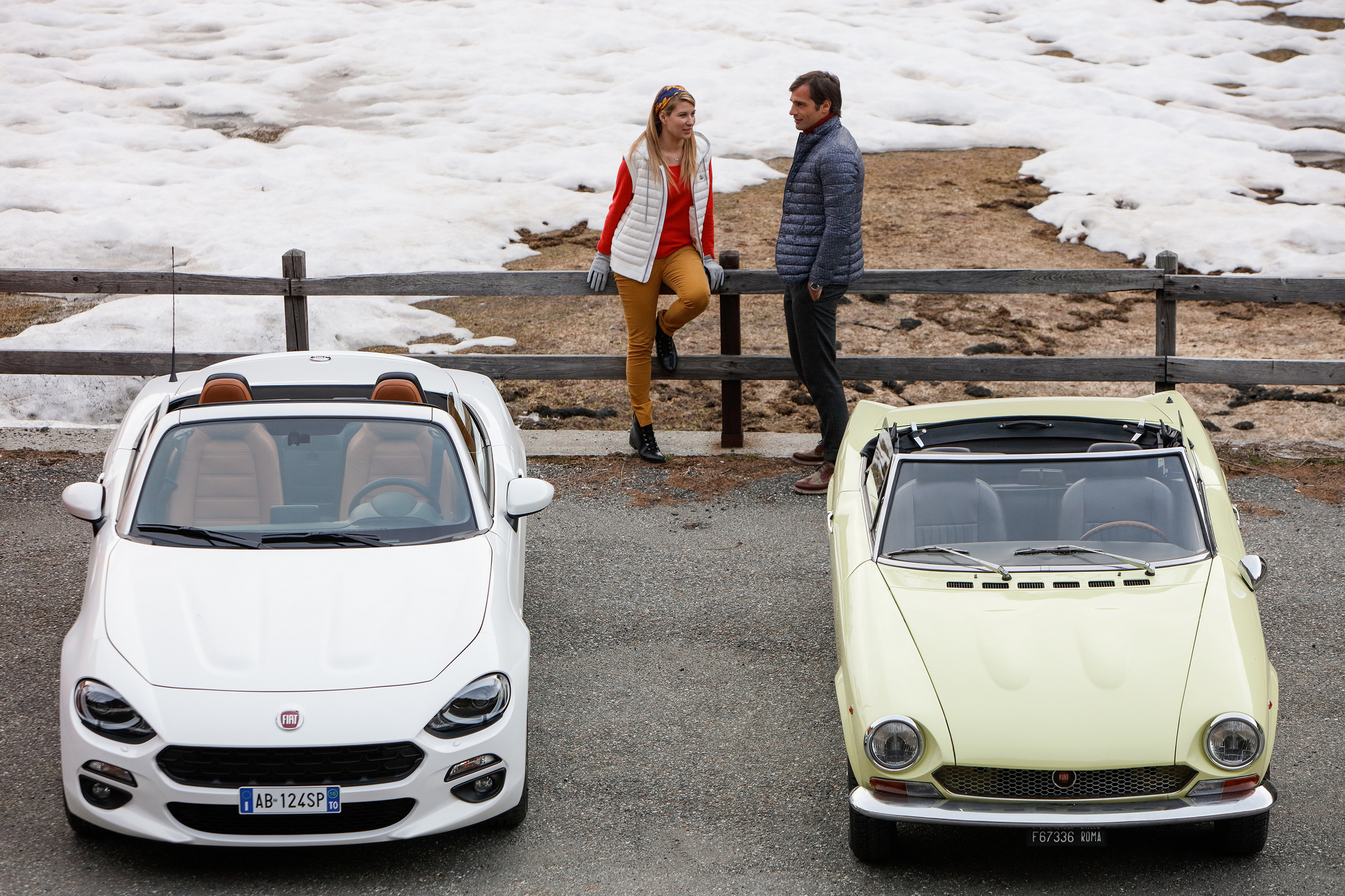 Classic Fiat 124 Spider and New Fiat 124 Spider_21.jpg