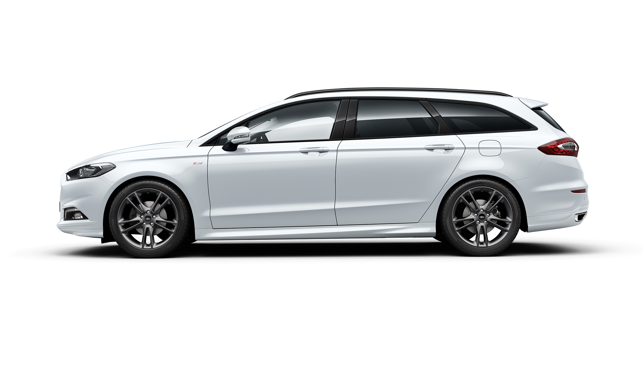 Mondeo ST-Line offers sport suspension and unique body kit.jpg