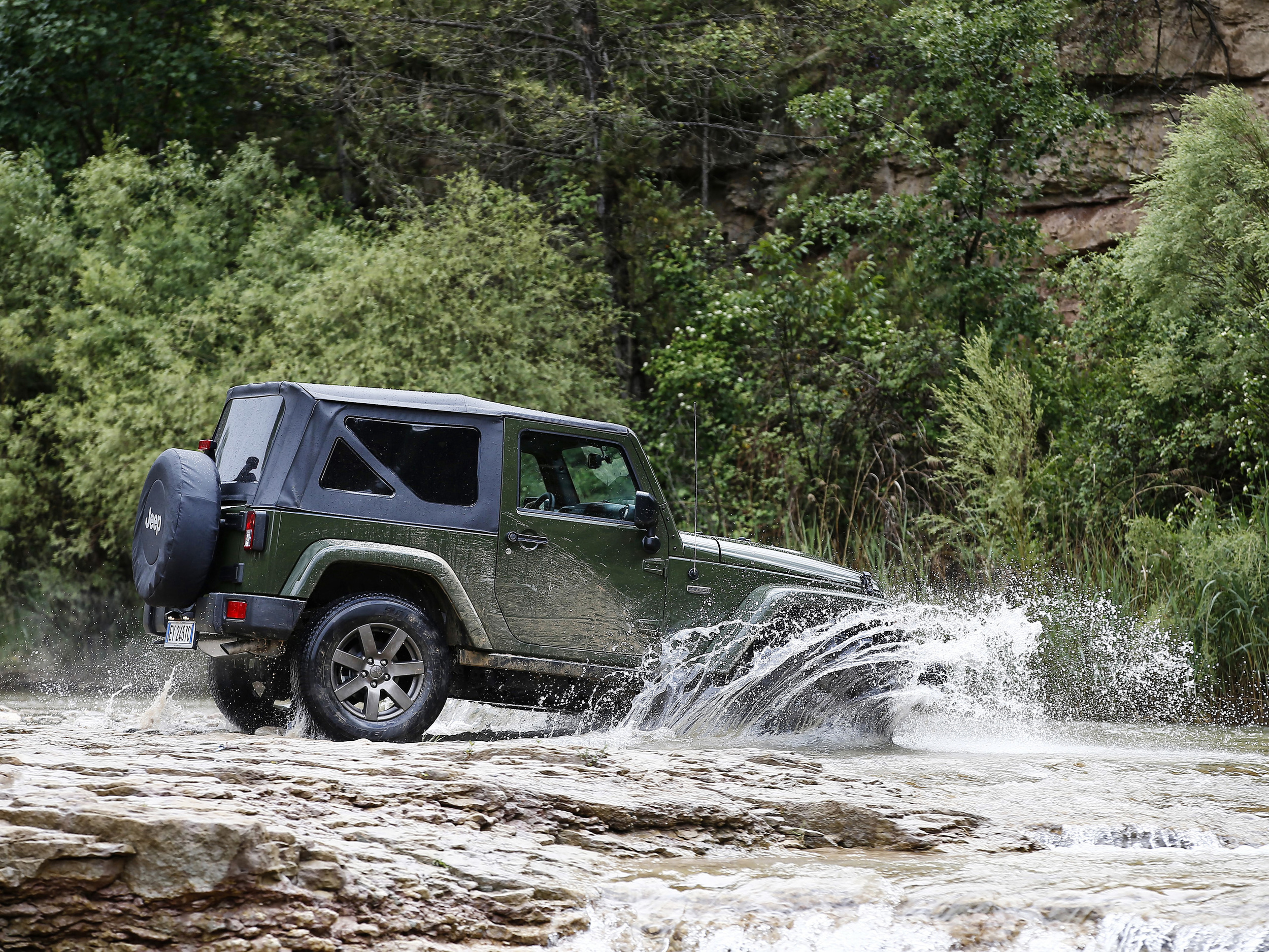 160621_Jeep_75th-Anniversary-series_09.jpg