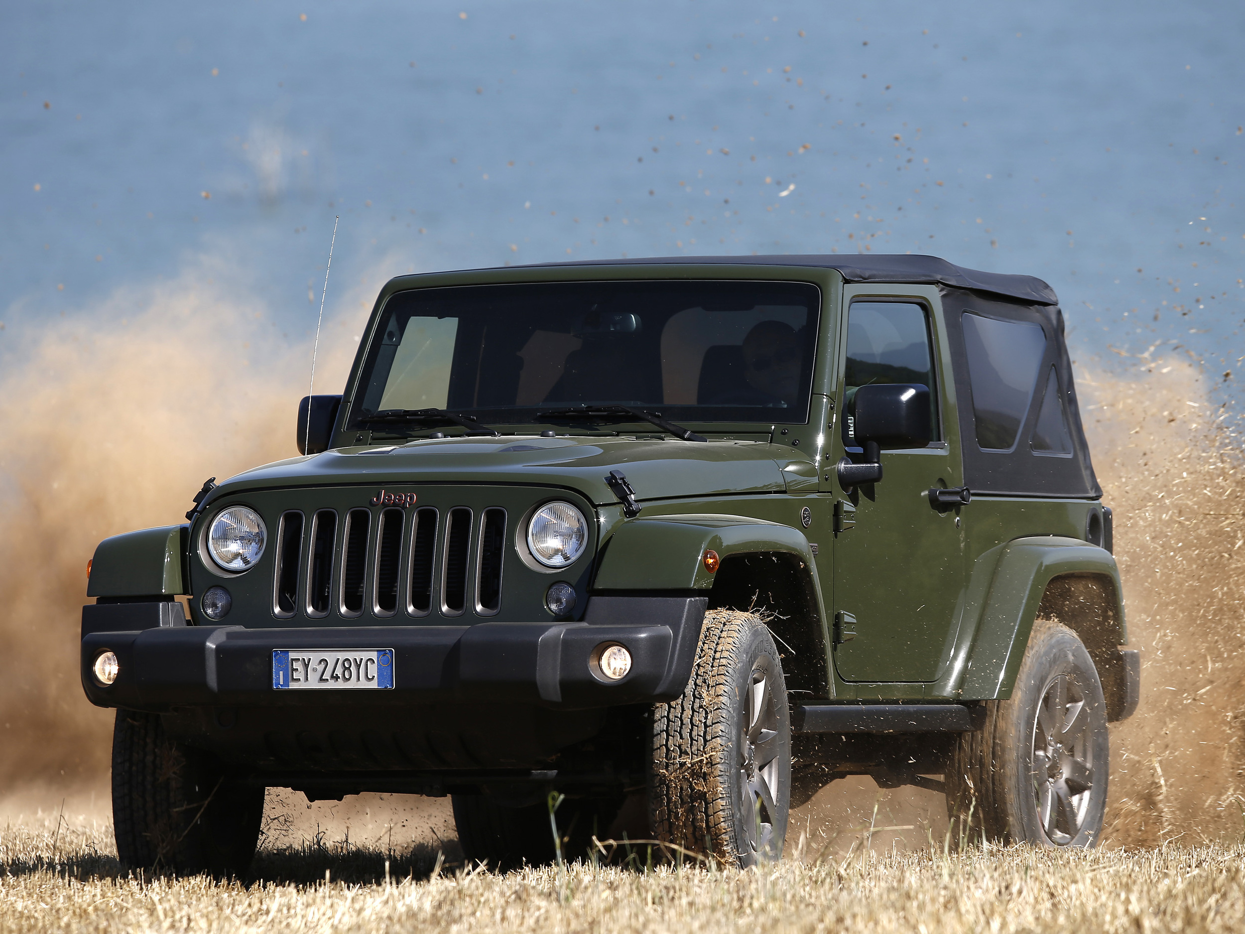 1605613_Jeep_Wrangler_iconic_hero_01.jpg