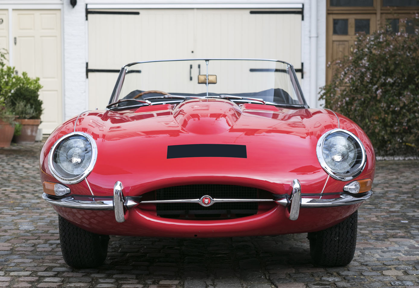 2. Jaguar E-Type-Roadster-front.jpg