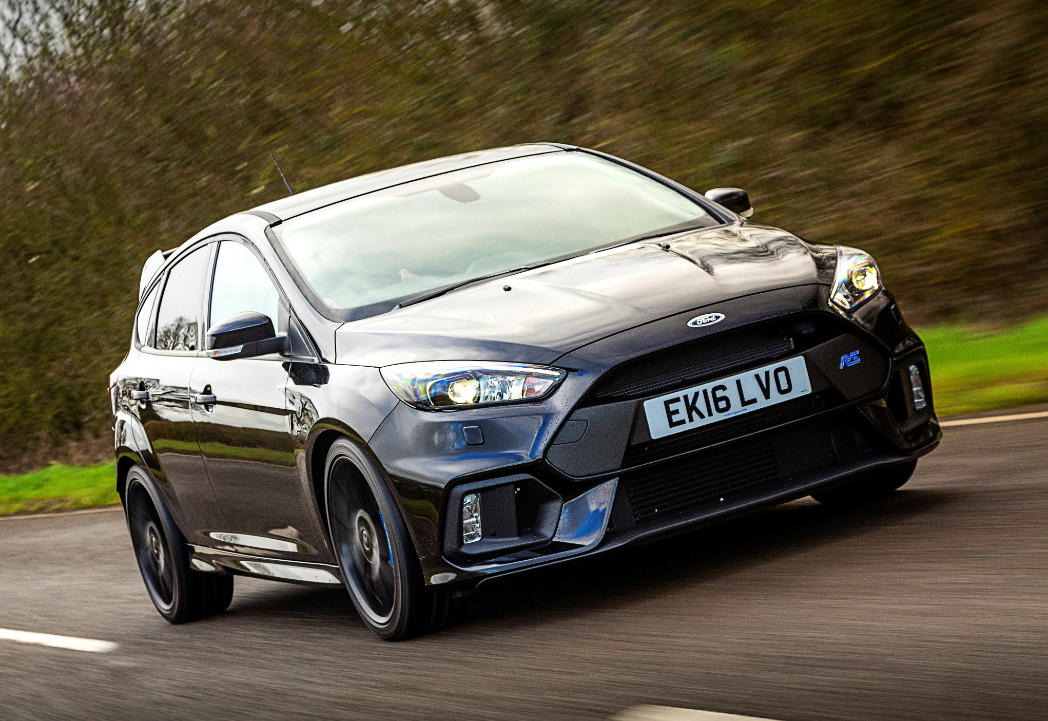 Ford Focus RS achieves improved 0-62 mph acceleration in 4.5 seconds.jpg