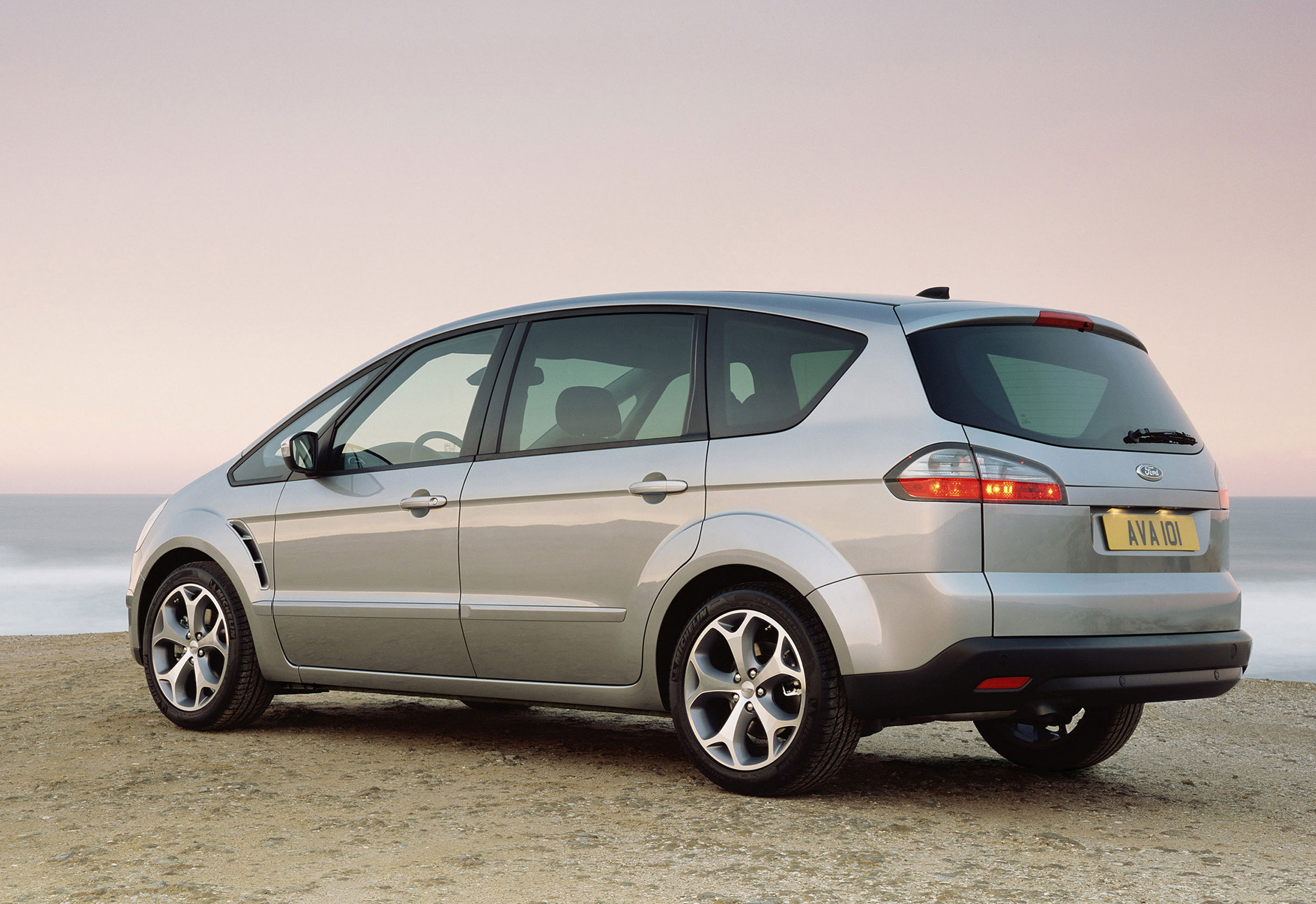 Ford S-Max -12.jpg