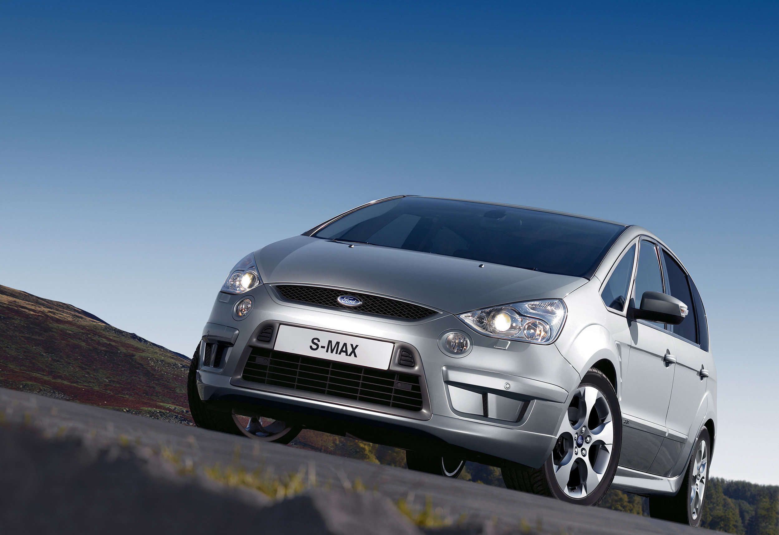 Ford S-Max -05.jpg