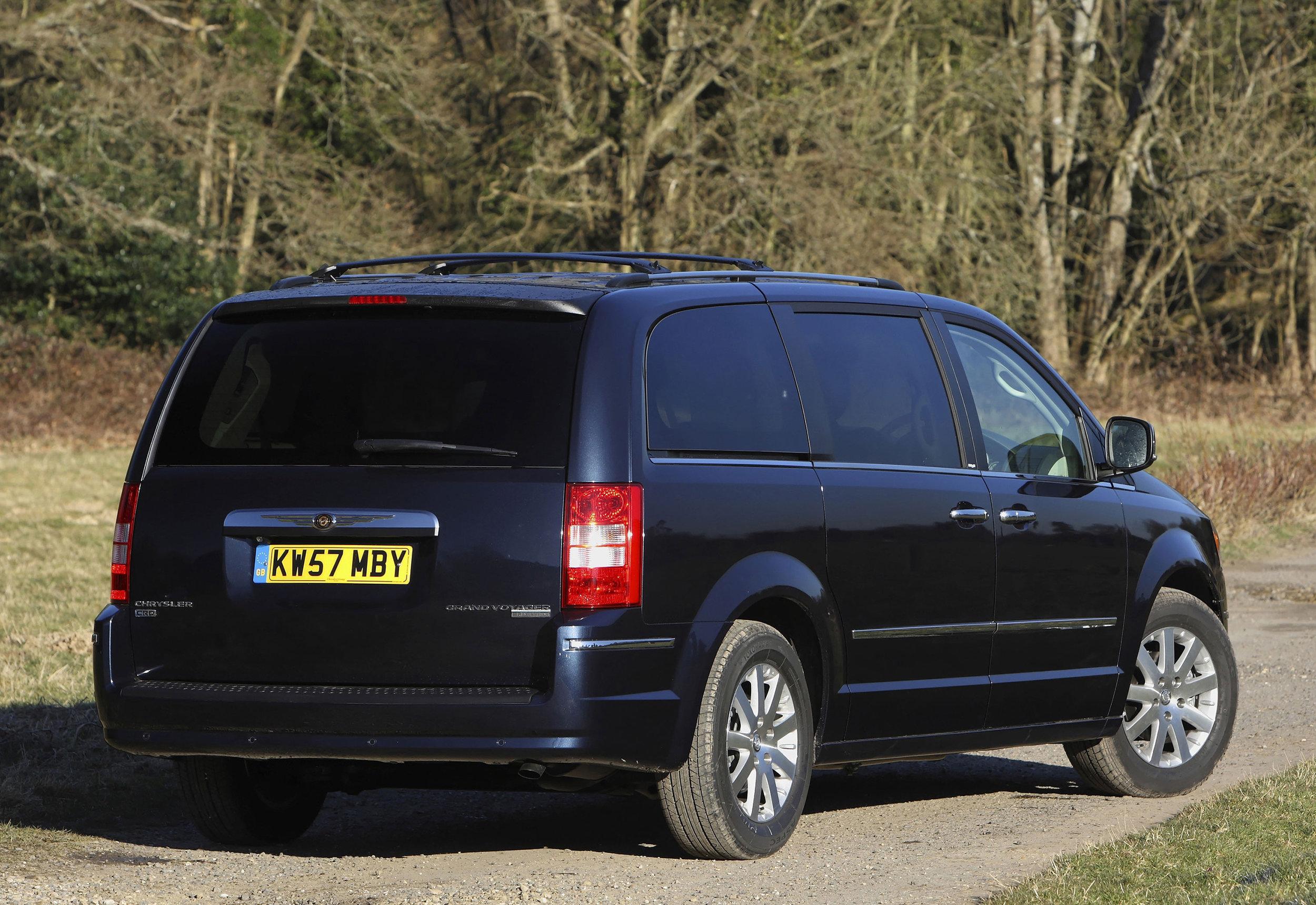 Chrysler Grand Voyager 08.jpg