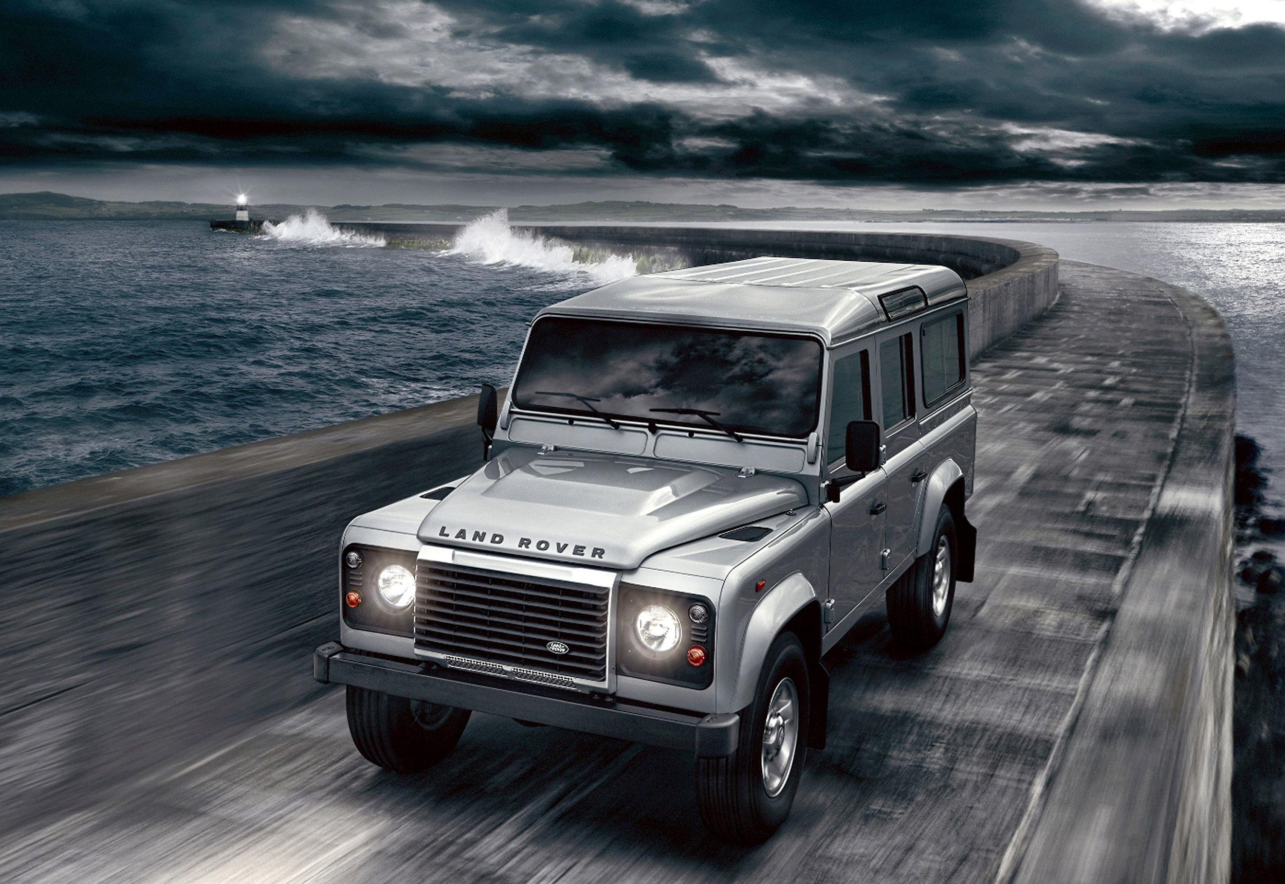 Land Rover Defender 05.jpg