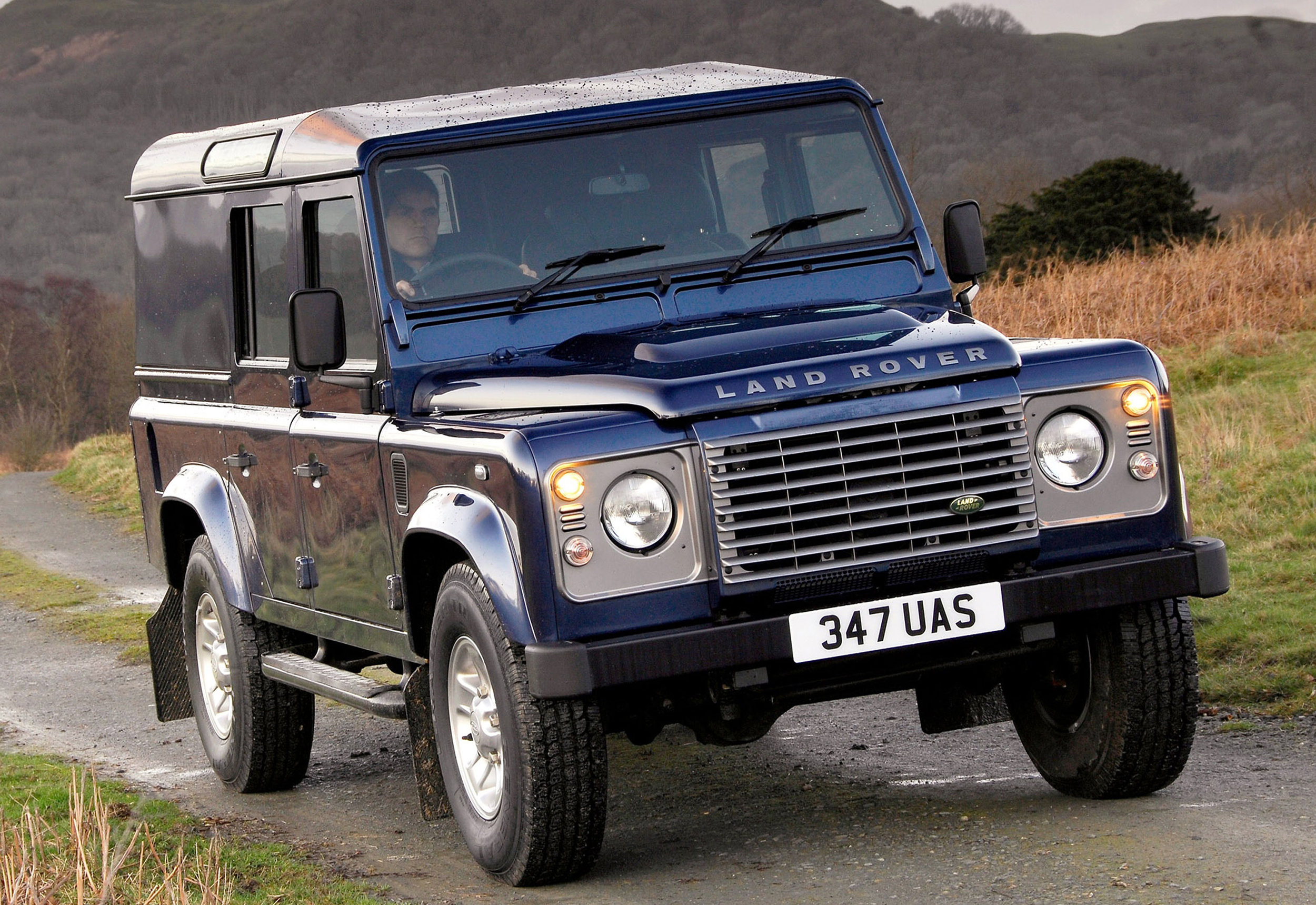 Land Rover Defender 03.jpg