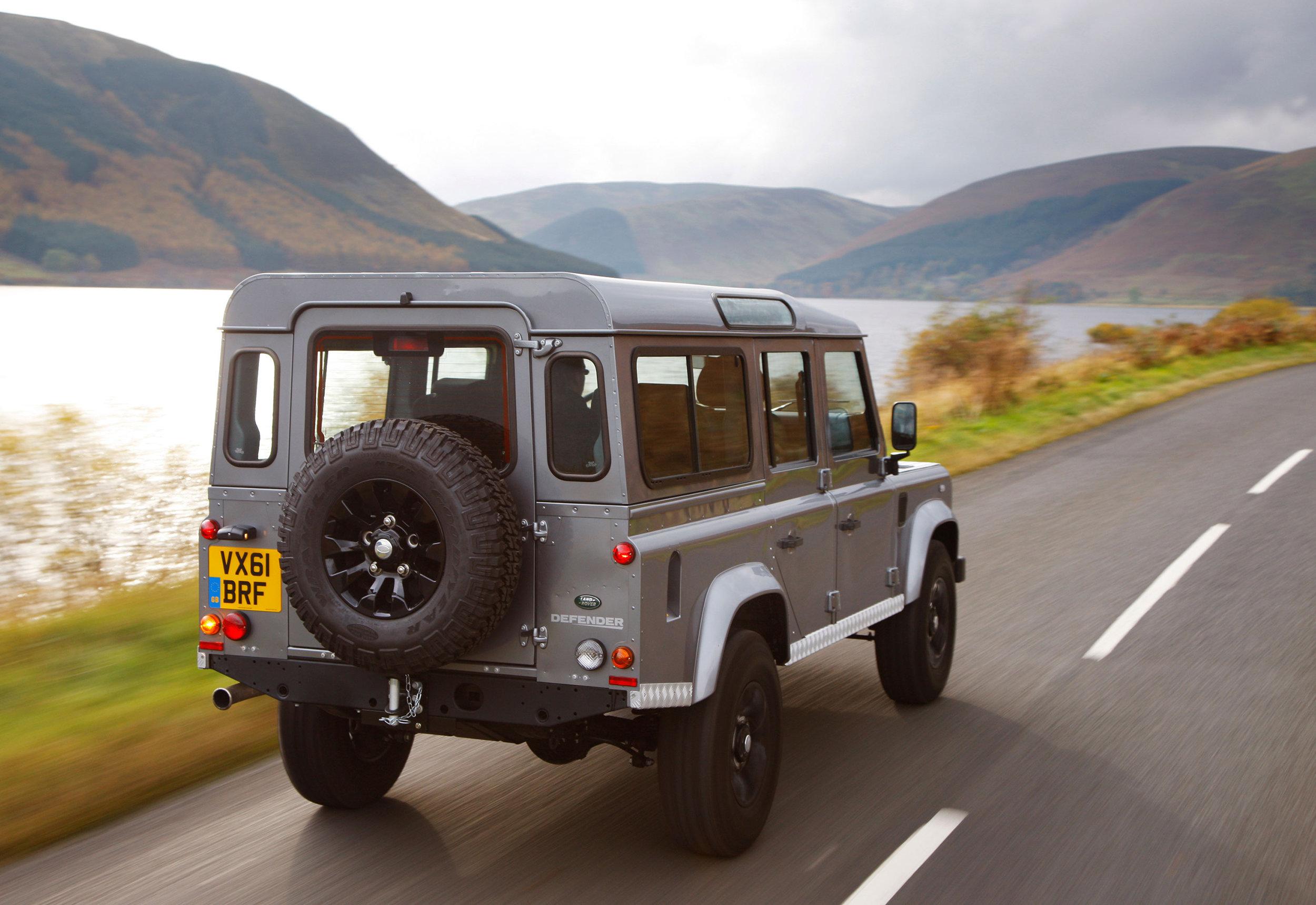 Land Rover Defender 01.jpg