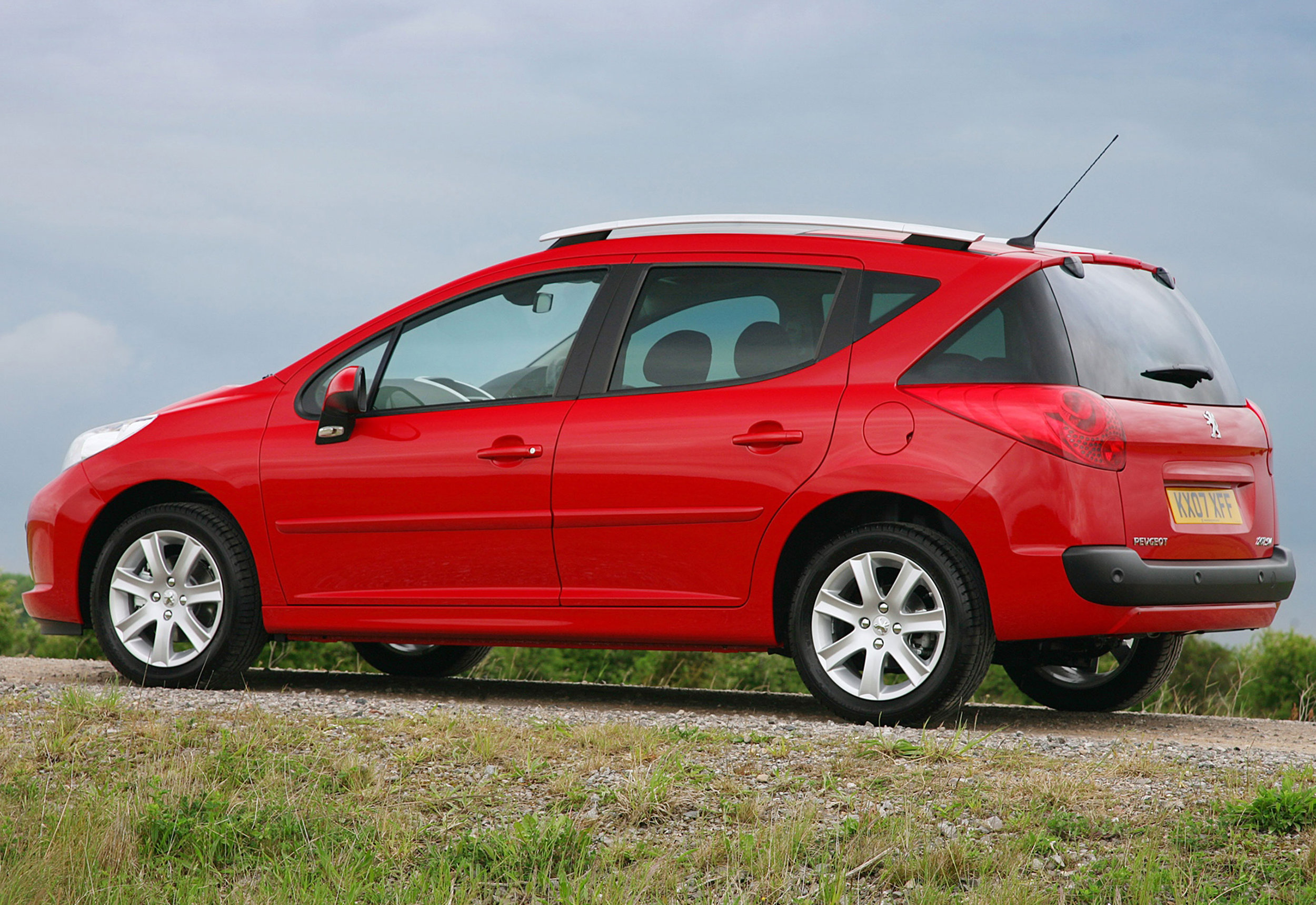 Peugeot 207 10.jpg